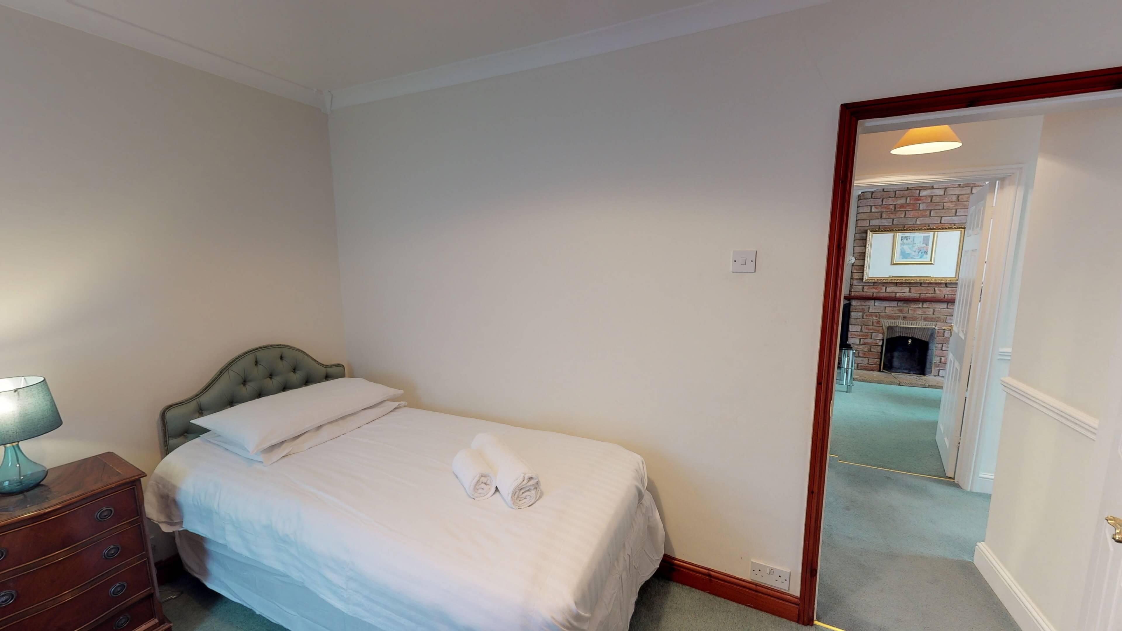 Lashford Lane Bedroom2