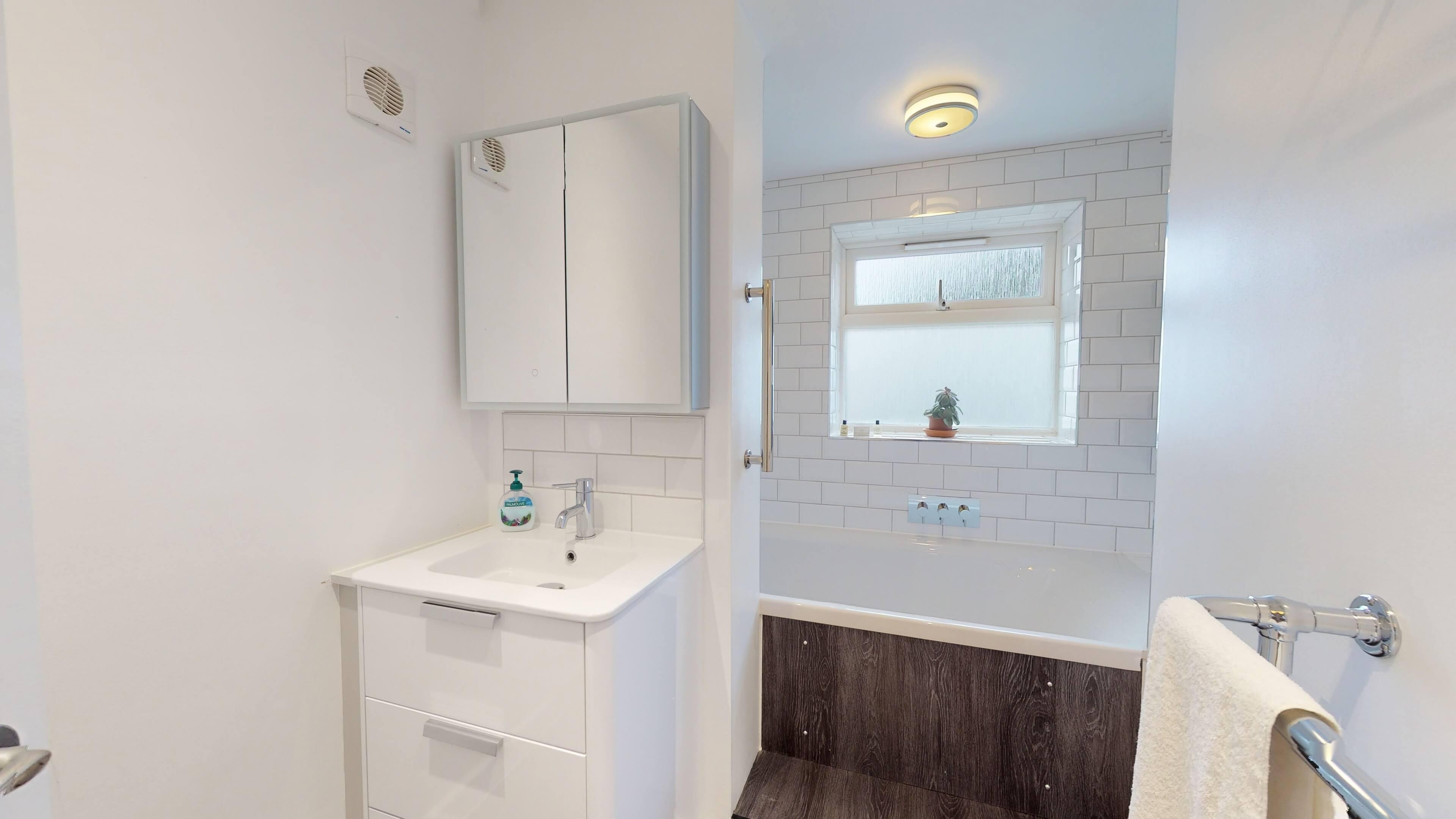 Ash Grove Bathroom3