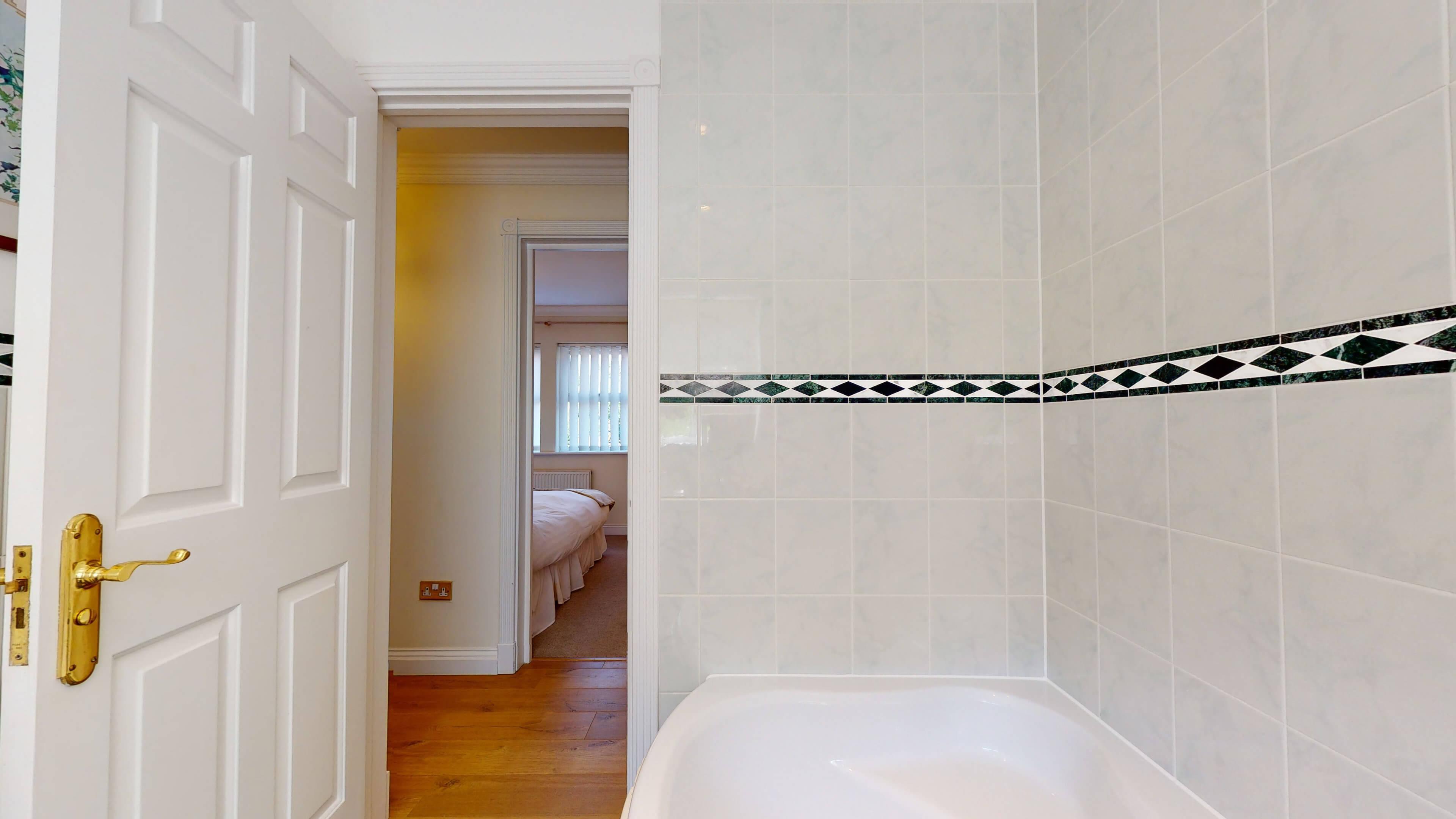 Rewley Road Oxford 2 Bed Rewley Road Bathroom 1