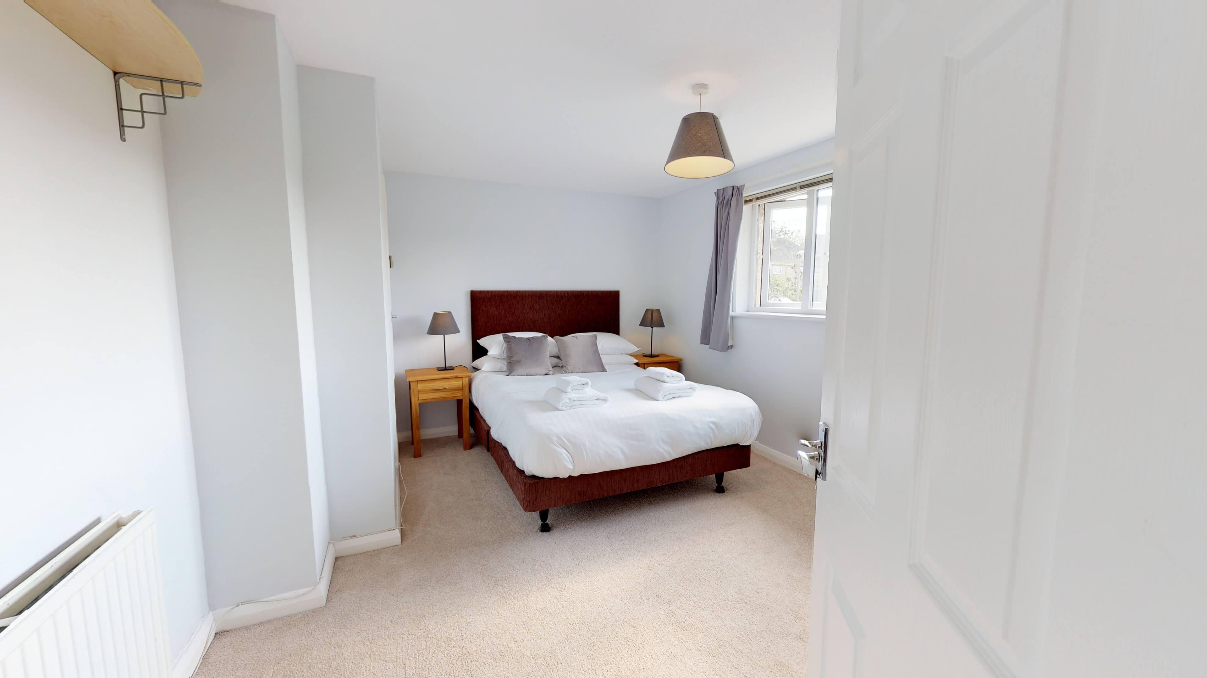 Taphouse Avenue Bedroom