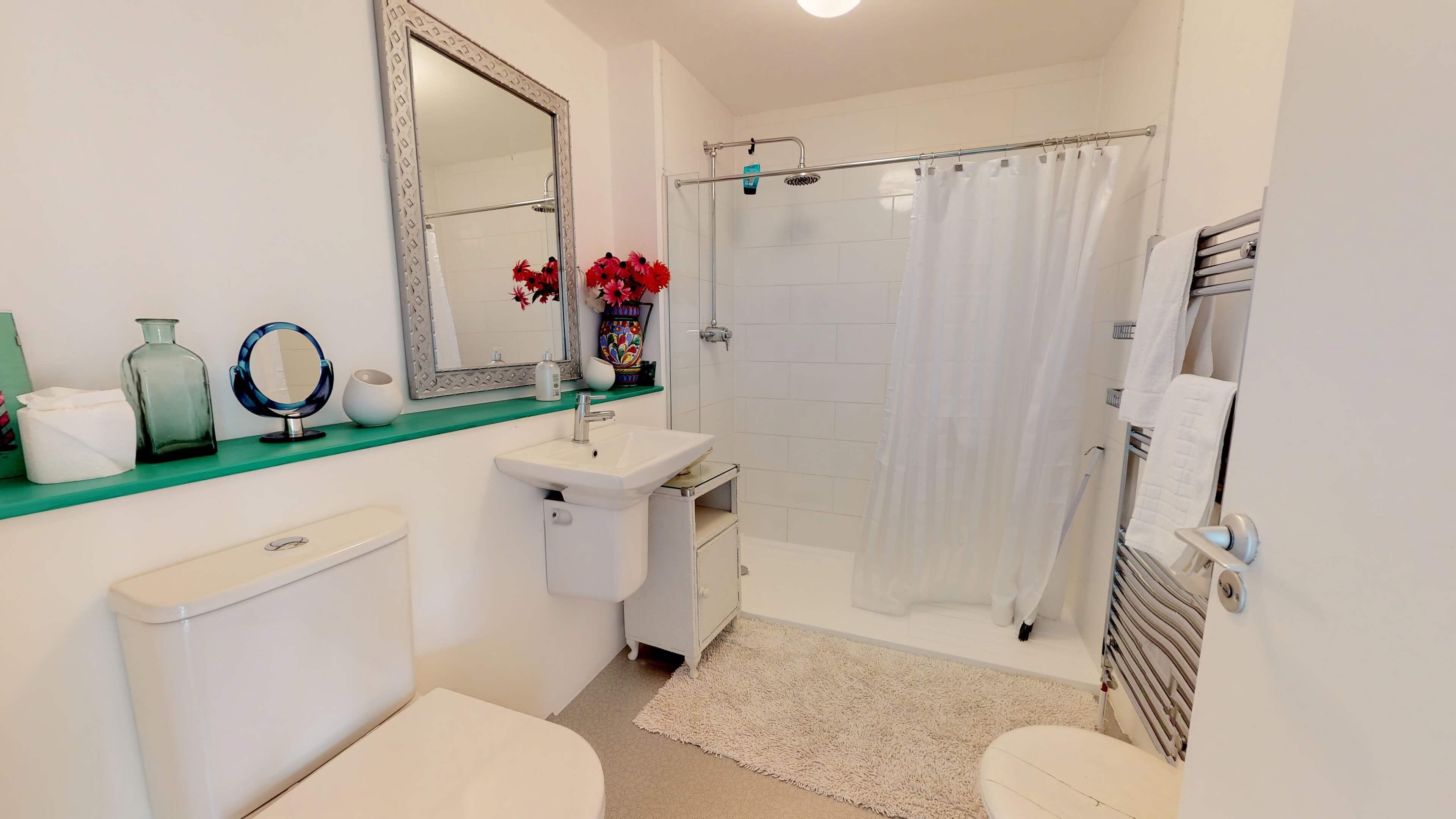 Thames View Bathroom Two