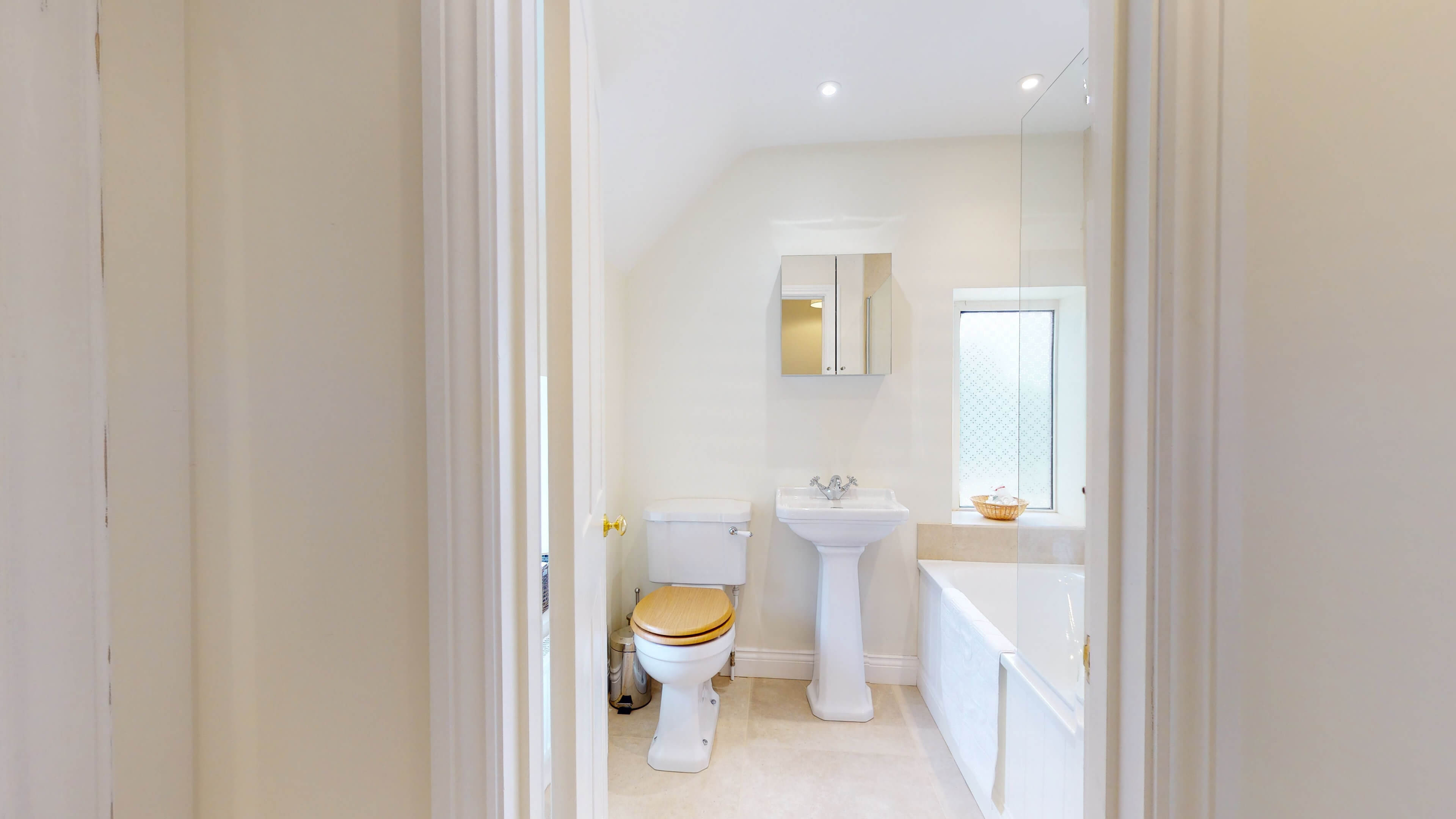 Rose Cottage Rose Cottage Adderbury Bathrom
