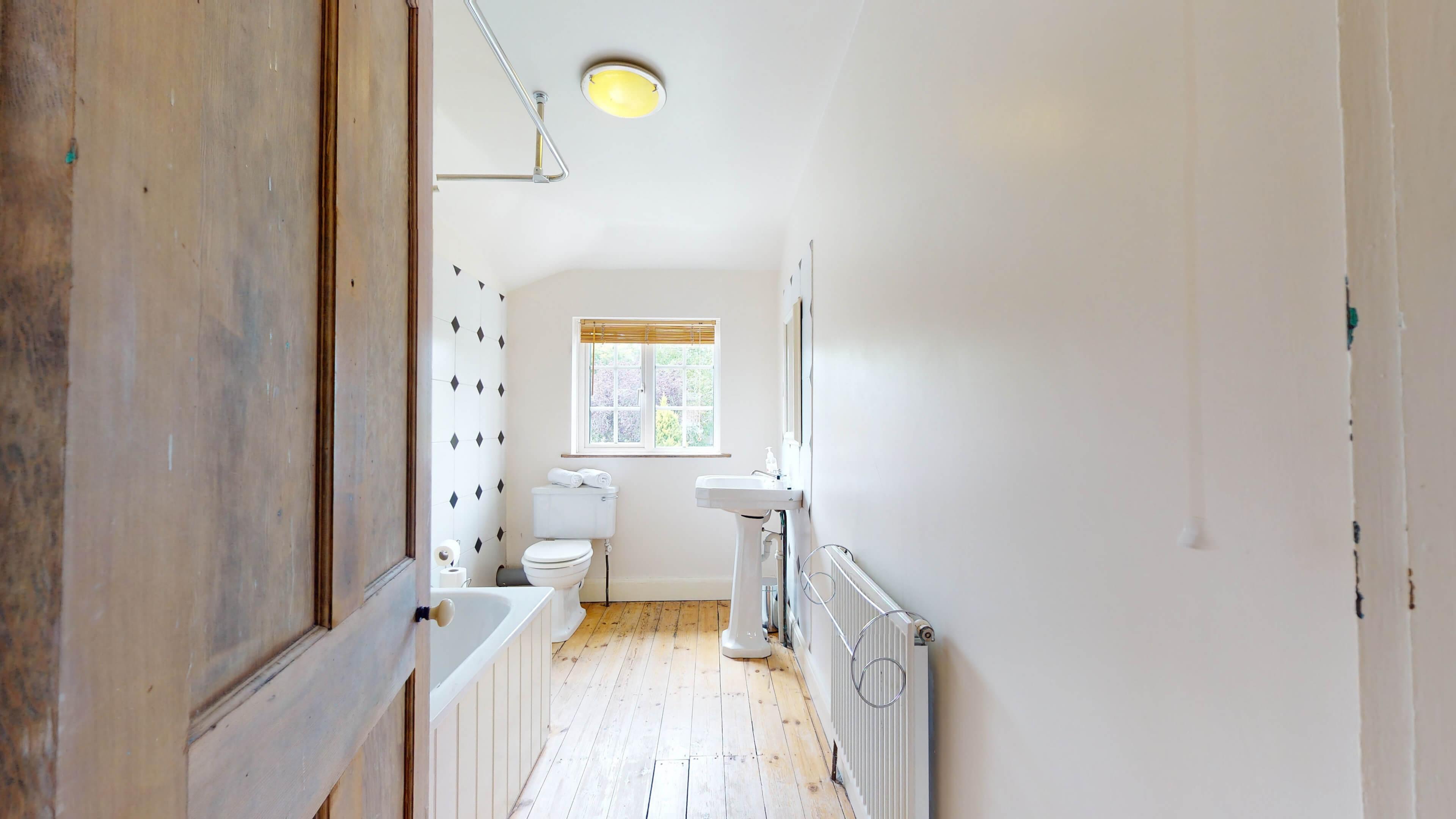 Hollycroft Hollycroft Bathroom 3