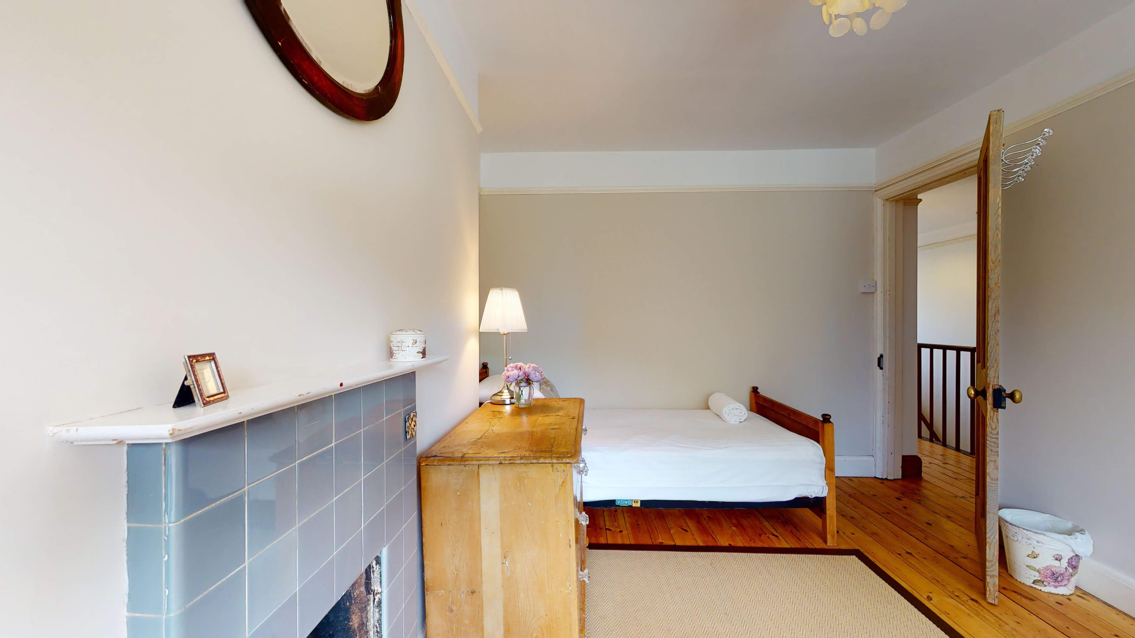 Hollycroft Hollycroft Twin Bedroom 1