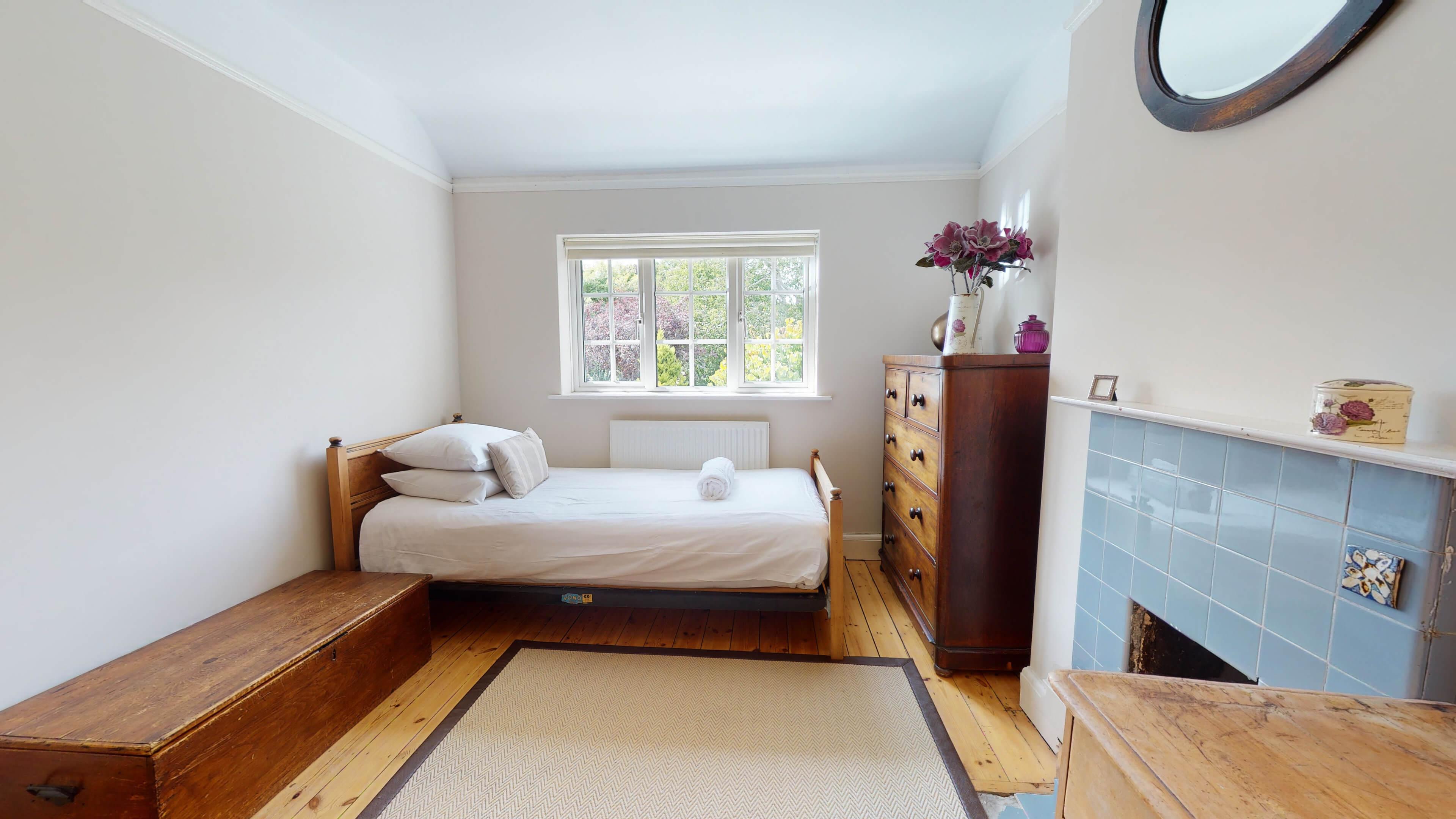 Hollycroft Hollycroft Twin Bedroom 4
