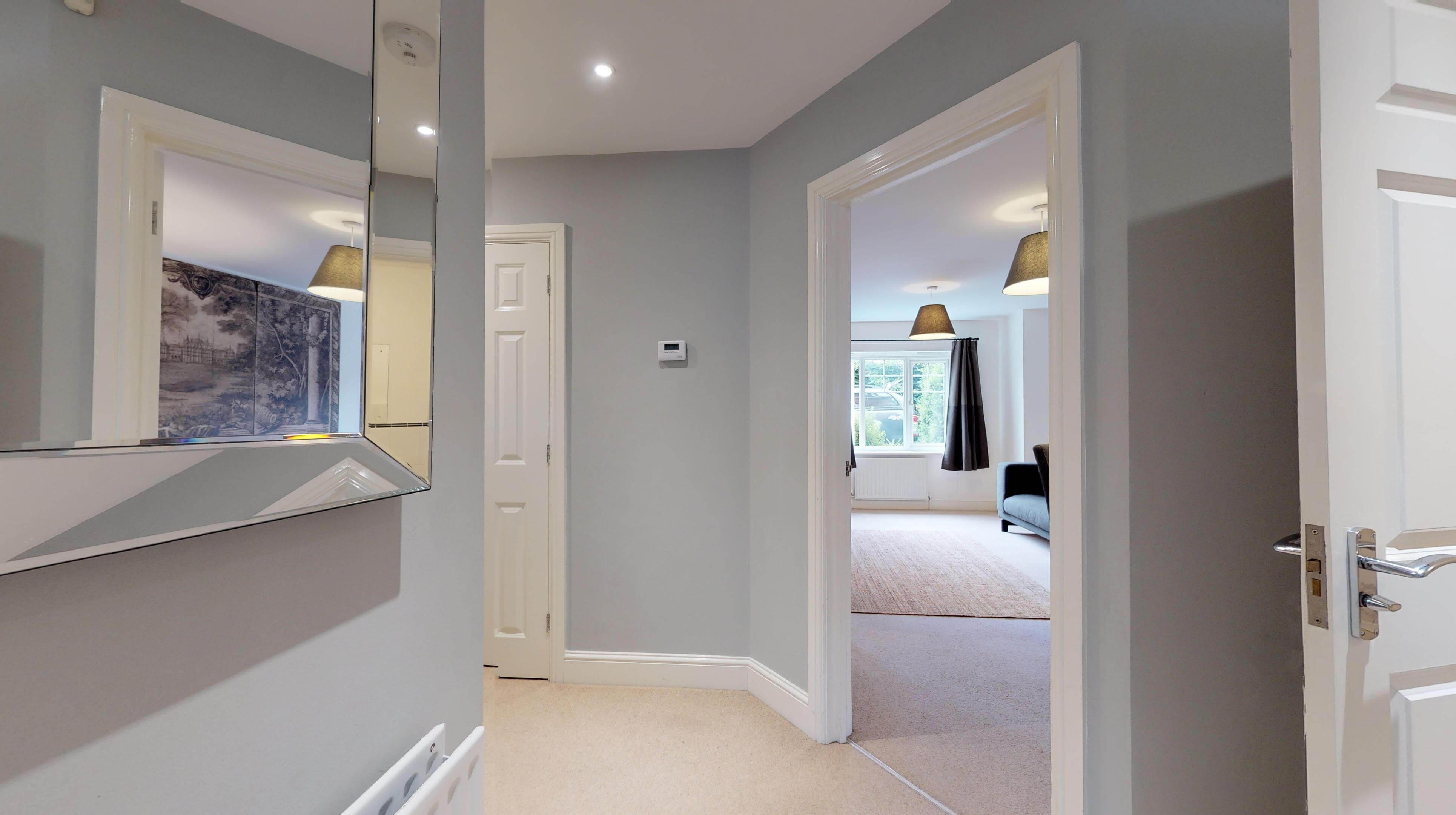 Oxford Serviced Apartments Hensington Suite Hallway