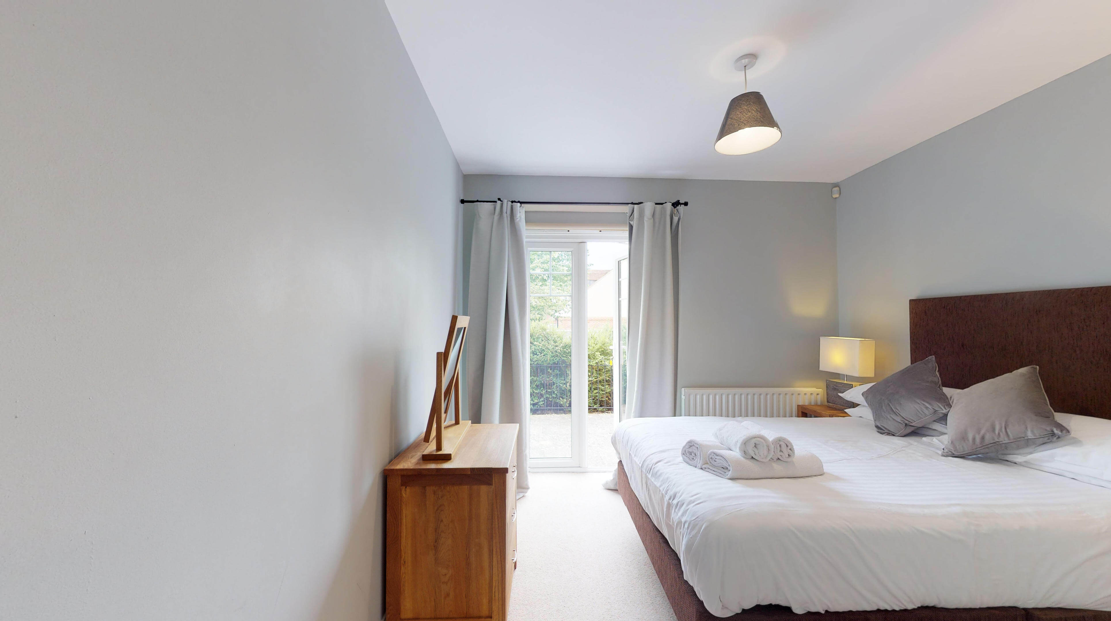 Oxford Serviced Apartments Hensington Suite Bedroom One