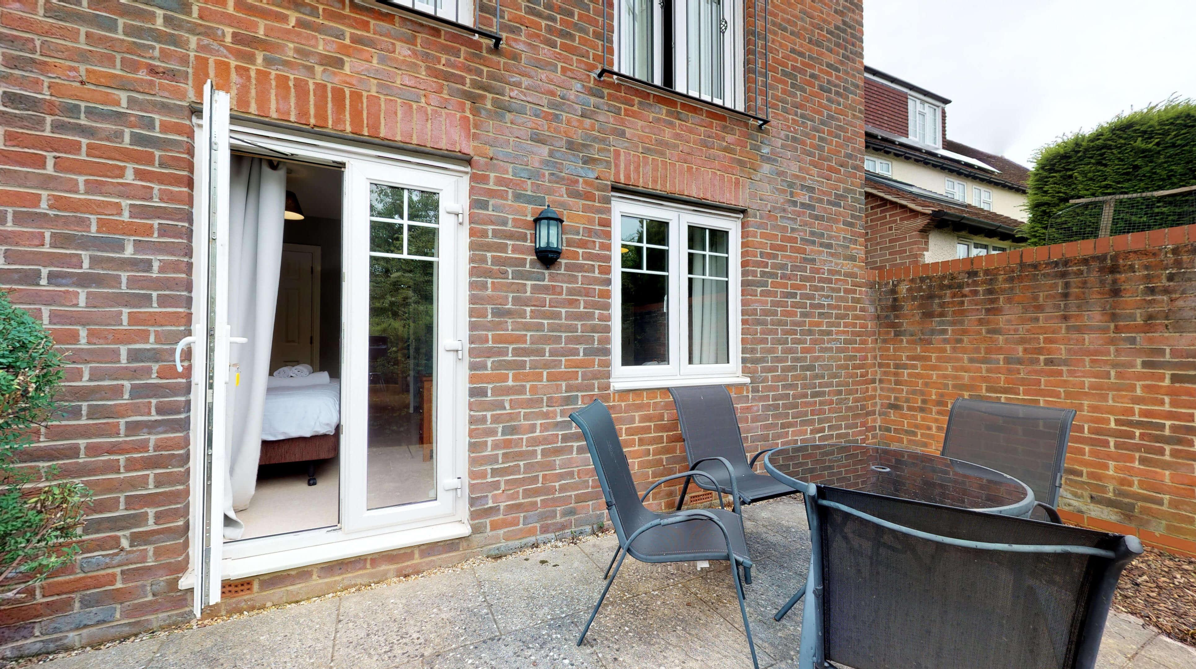 Oxford Serviced Apartments Hensington Suite Patio