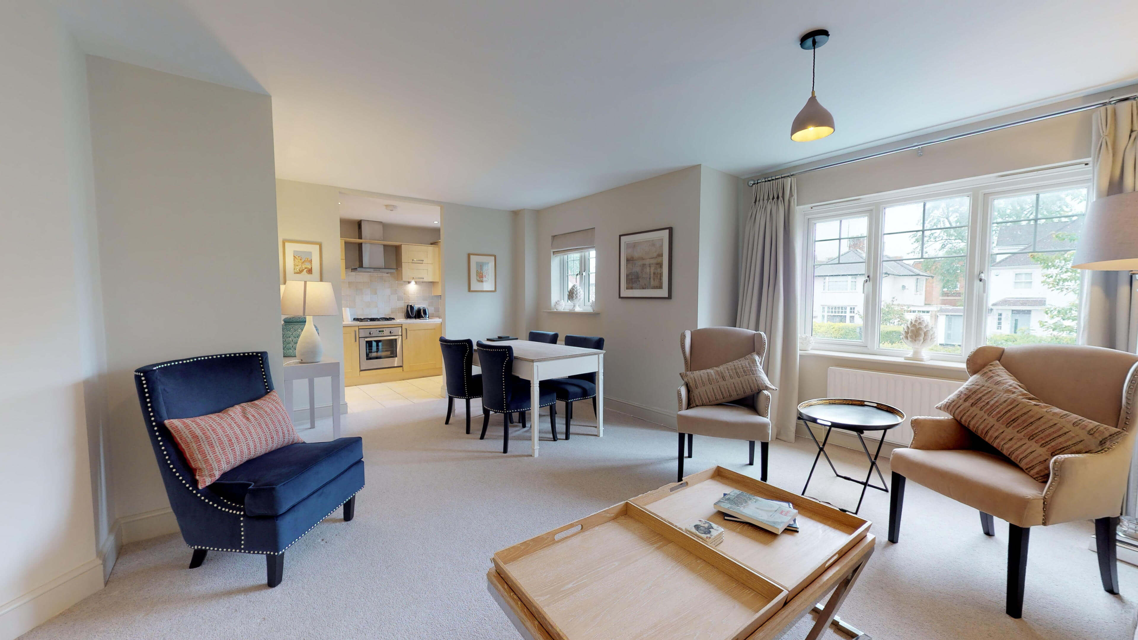 Oxford Serviced Apartments Hensington Suite Livingroom Dining Area