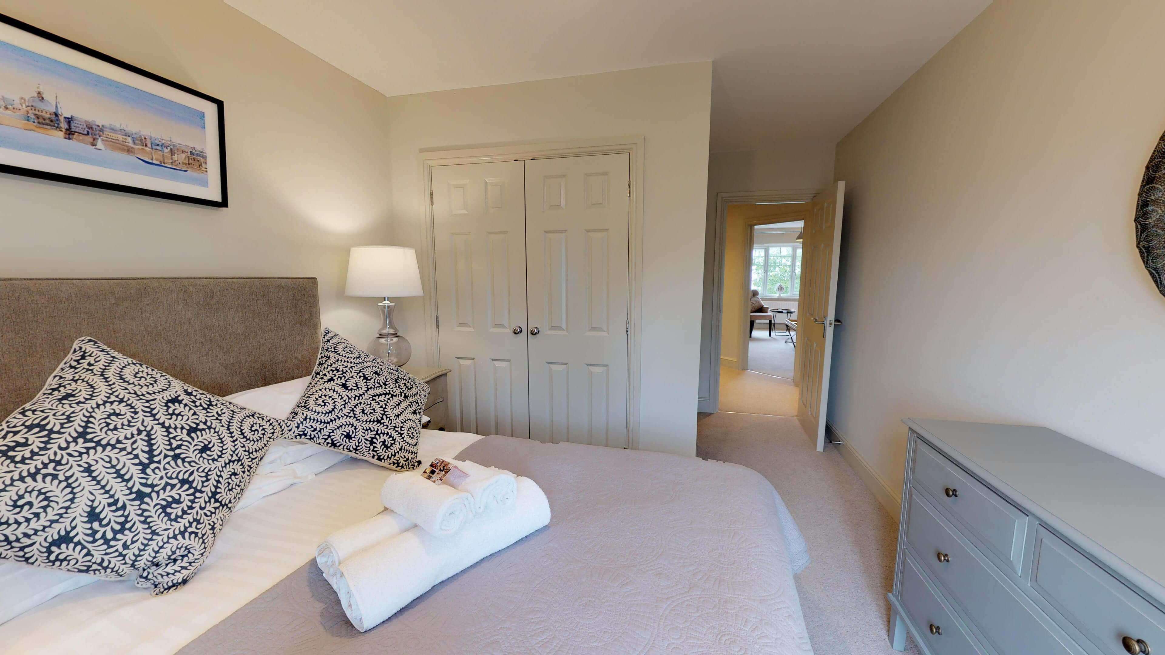 Oxford Serviced Apartments Hensington Suite Bedroom One View