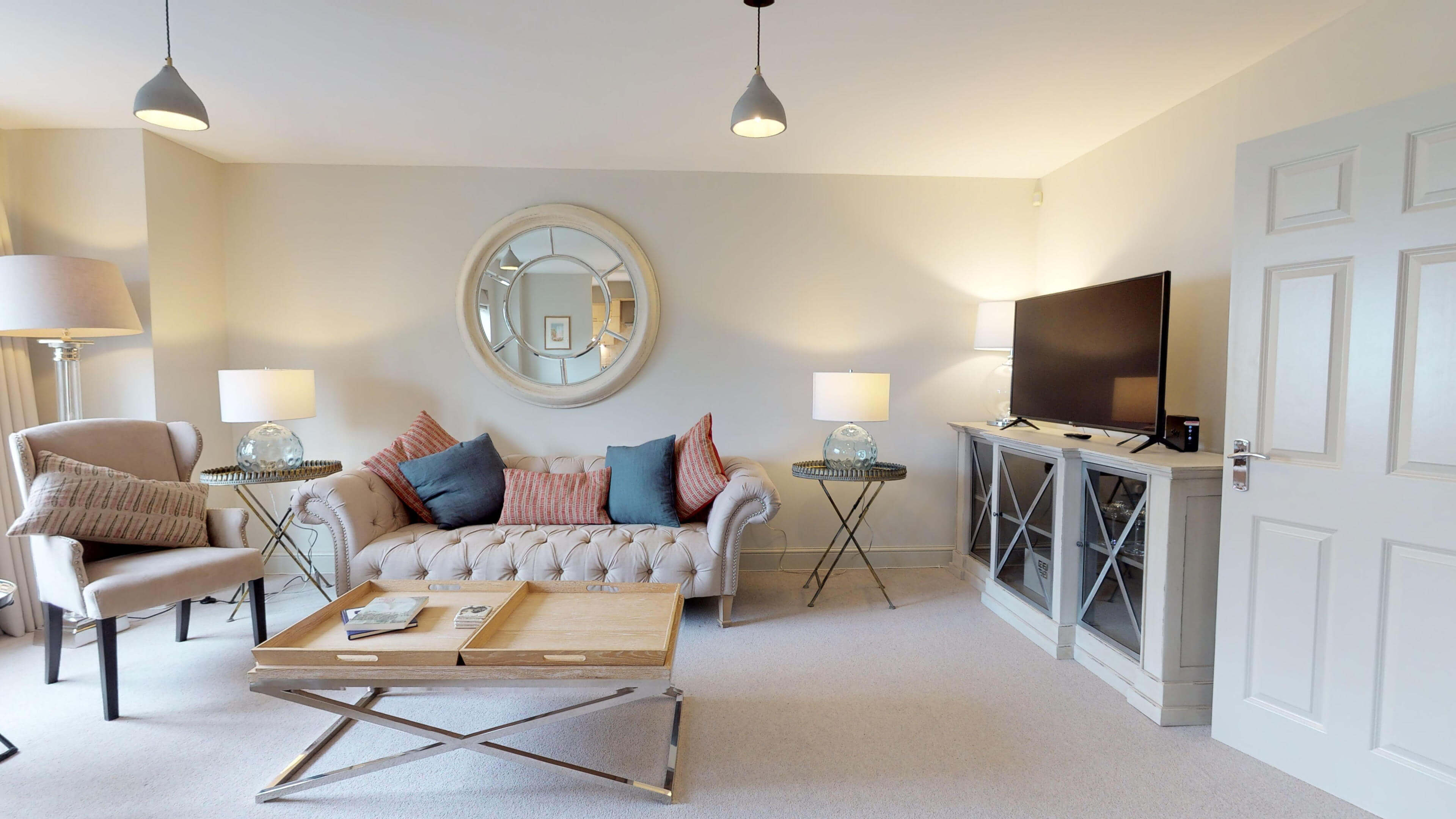 Oxford Serviced Apartments Hensington Suite Livingroom Front