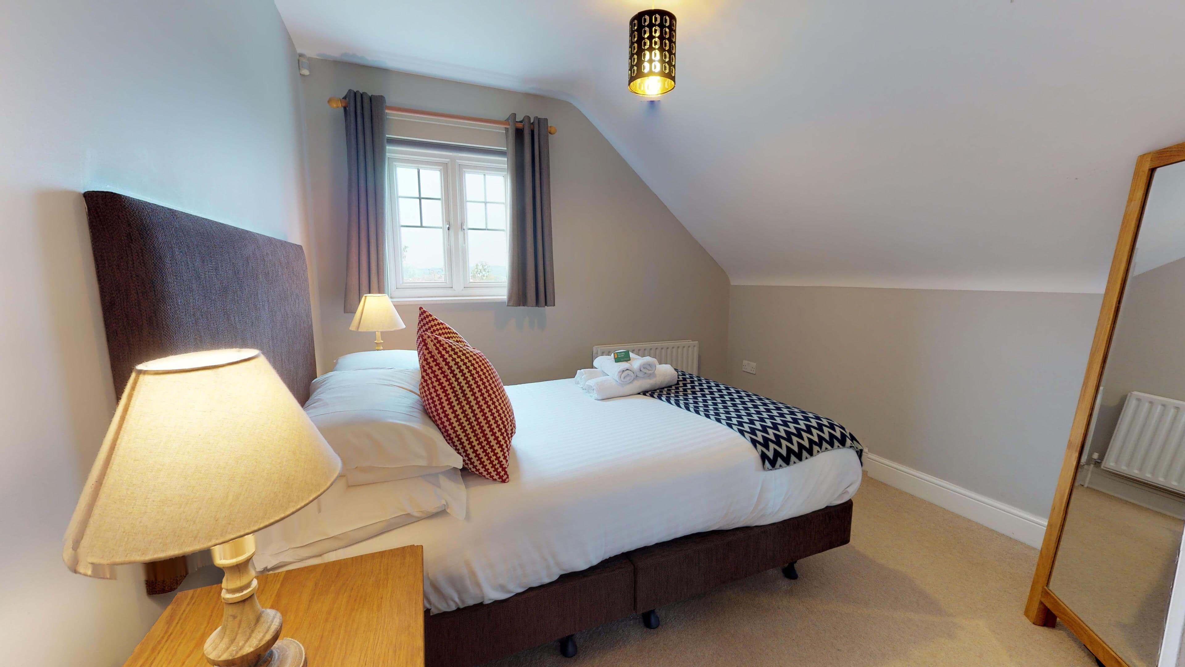 Oxford Serviced Apartment Vanbrugh Spencer Suite Bedroom One