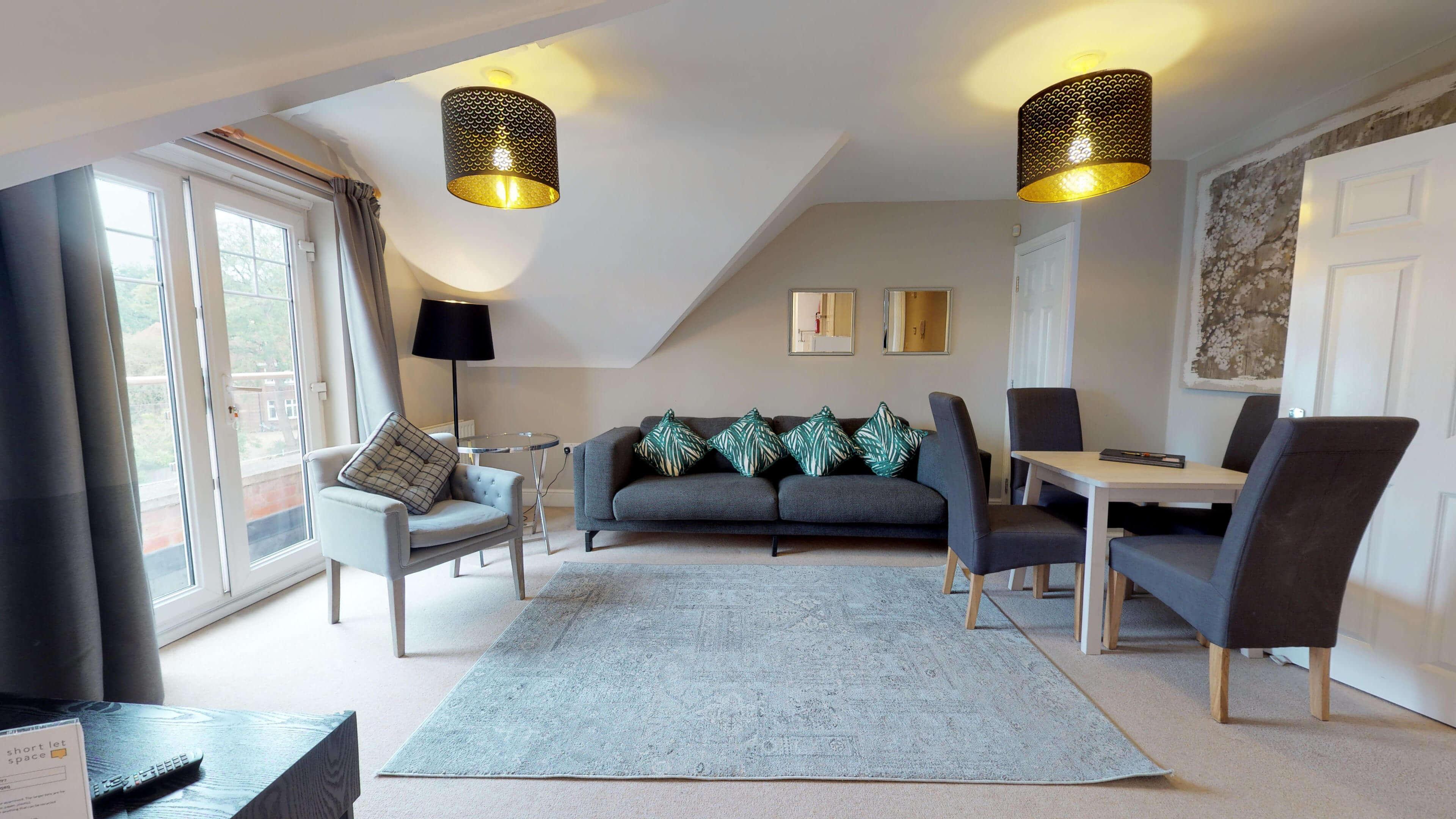 Oxford Serviced Apartment Vanbrugh Spencer Suite Living Room Front