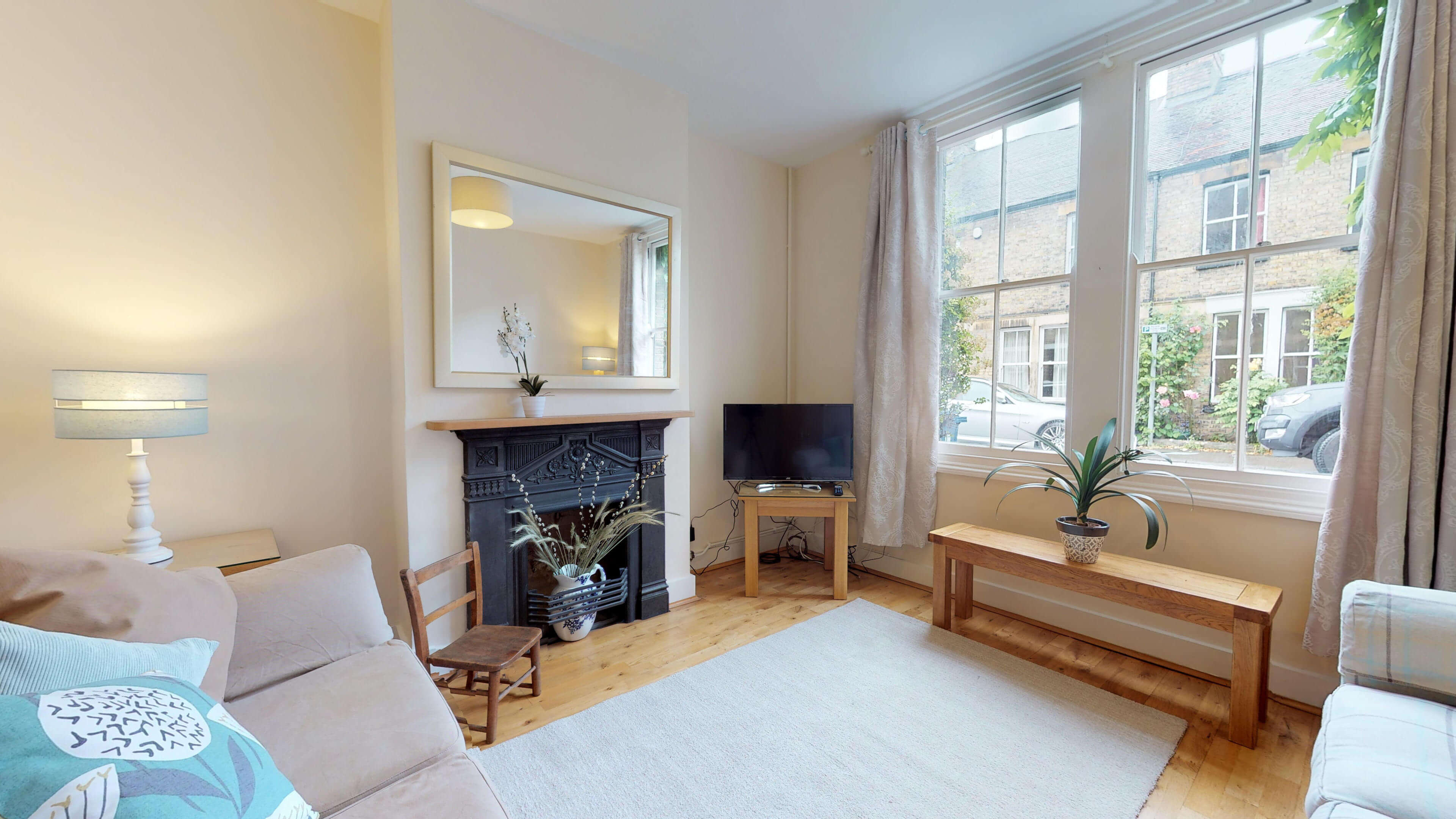 Oxford Two Bedroom Abbey Road Corner