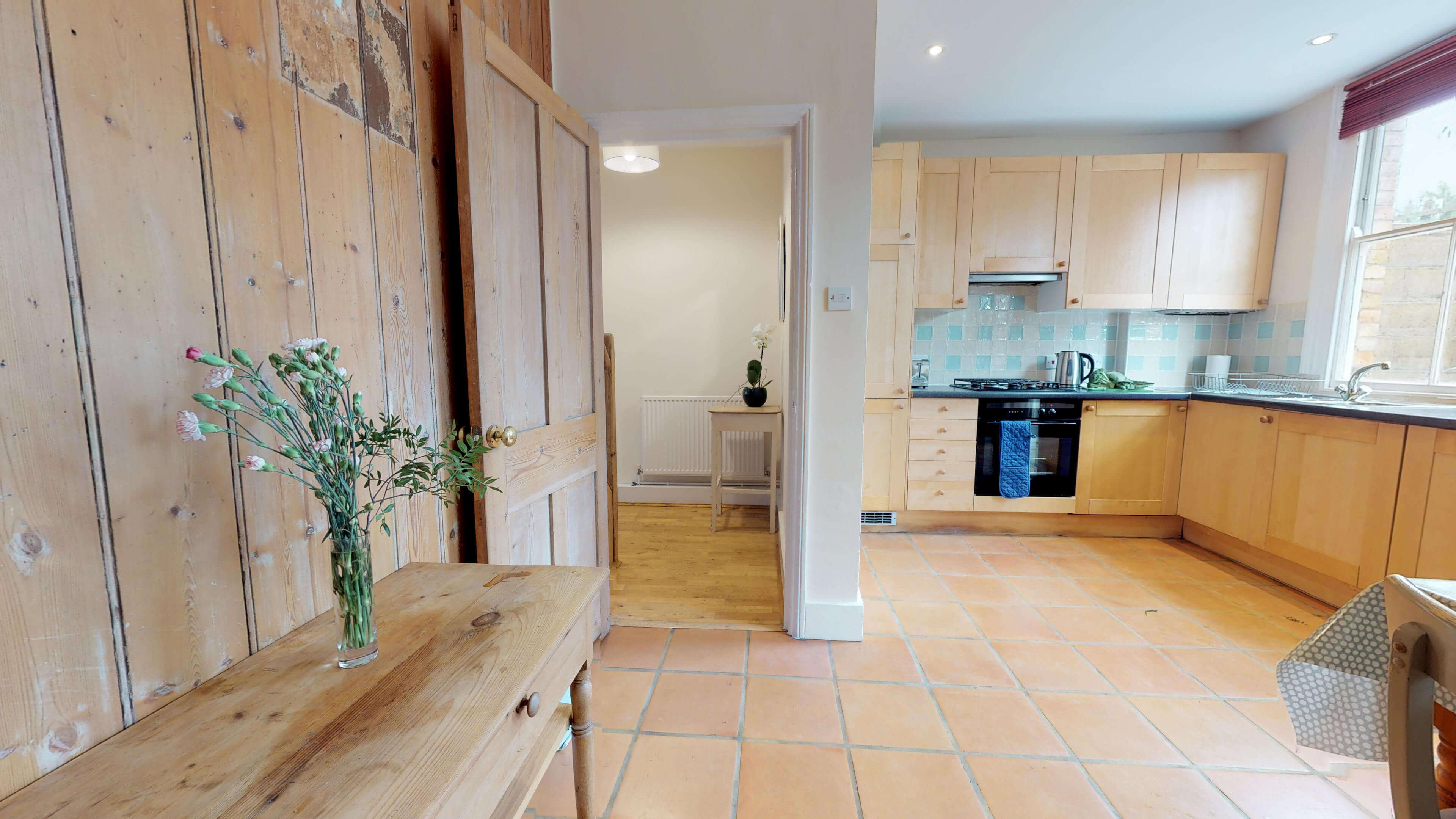 Oxford Two Bedroom Abbey Road Kitchen View