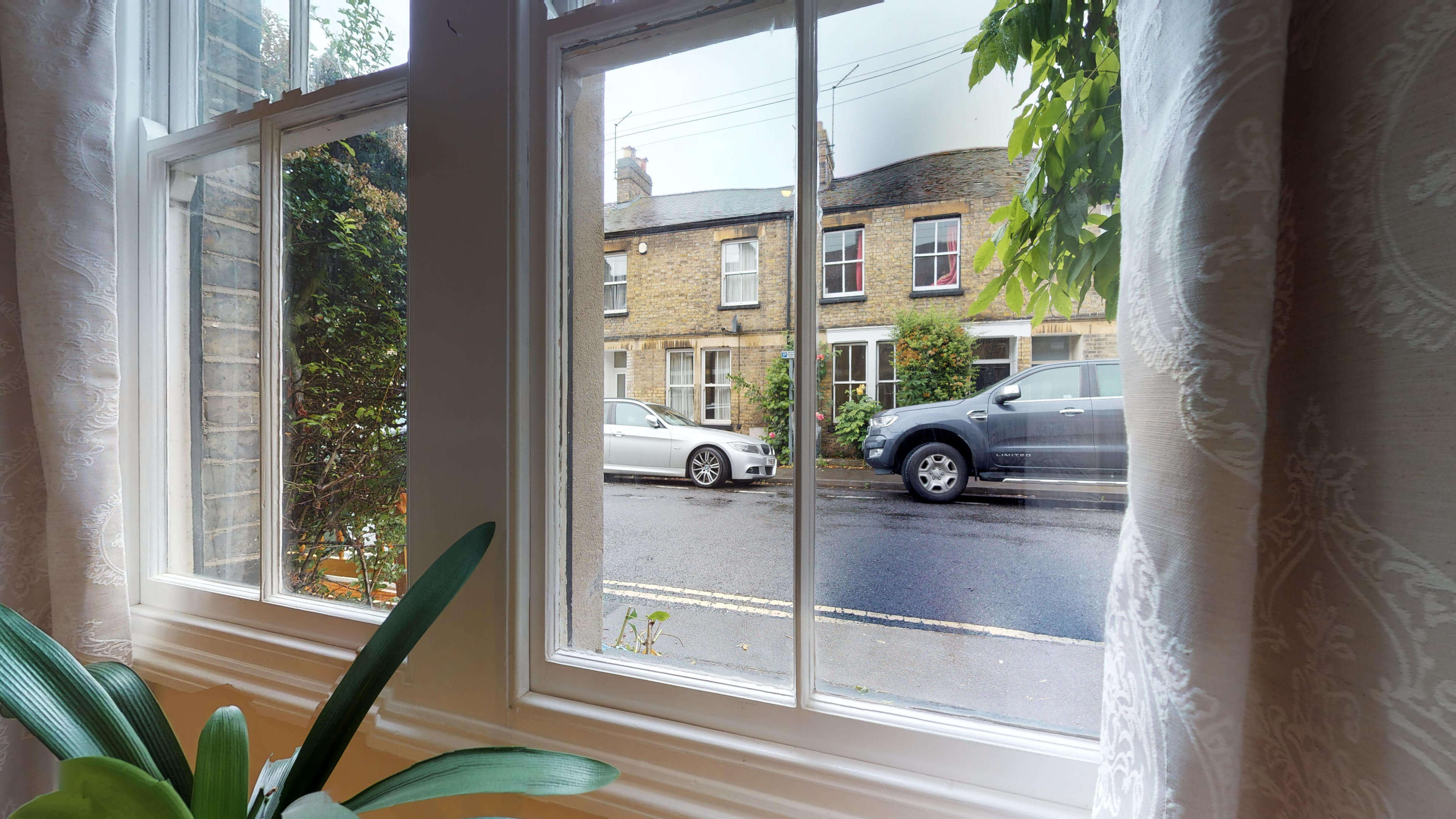 Oxford Two Bedroom Abbey Road Living Room Window