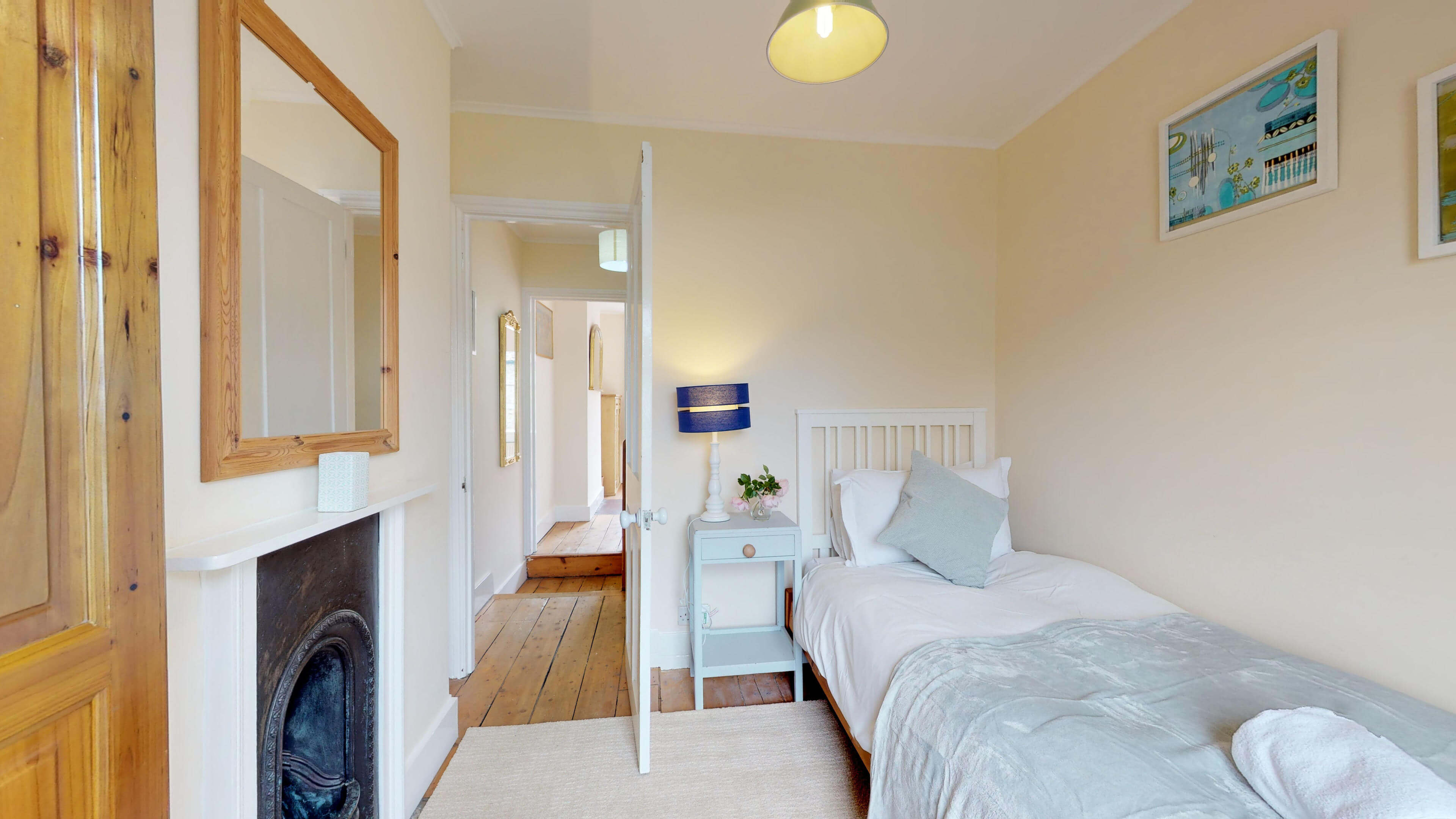 Oxford Two Bedroom Abbey Road Single Bedroom