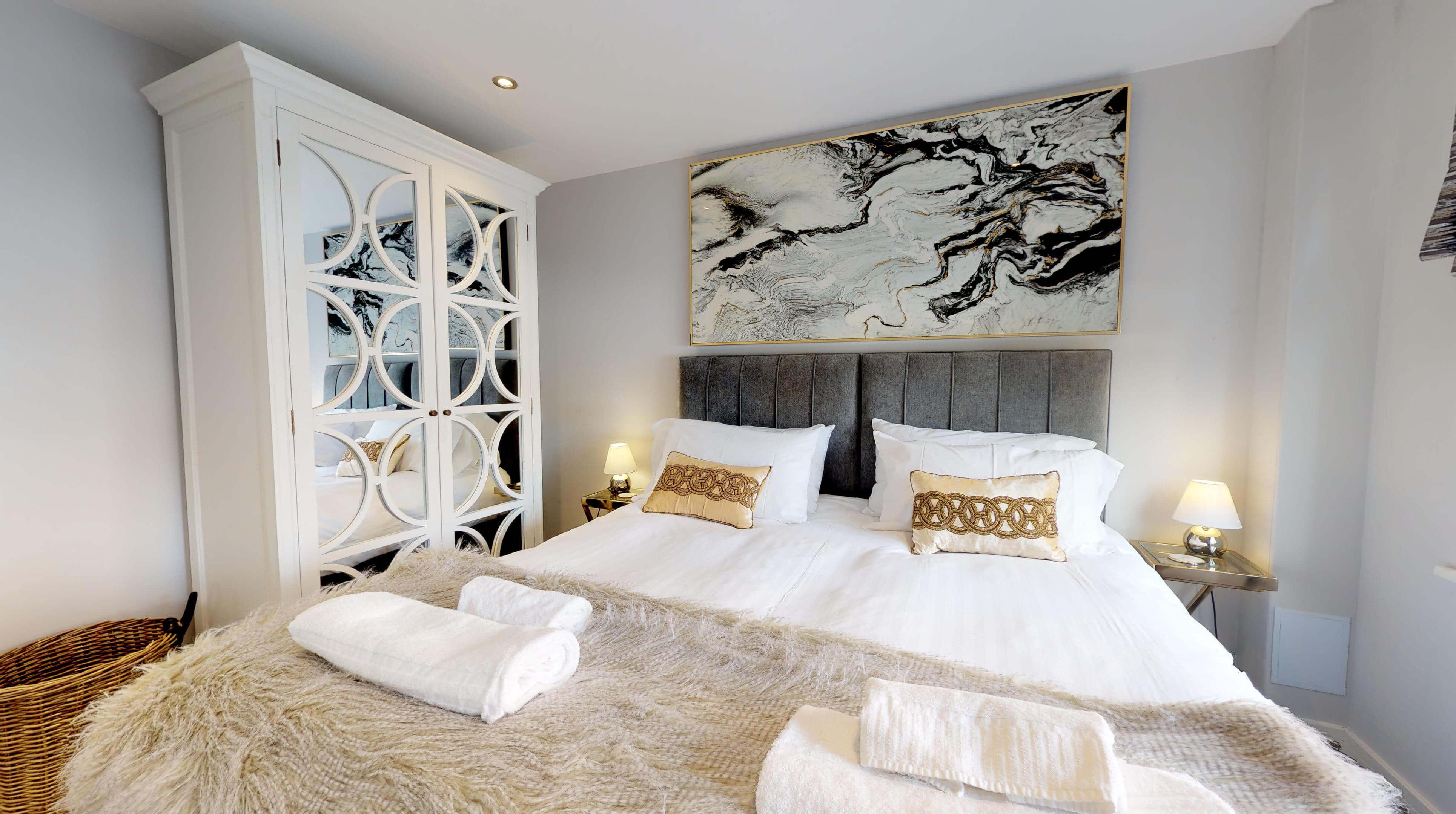 Leamington Spa Serviced Apartments Dunara Warwick Bedroom 2