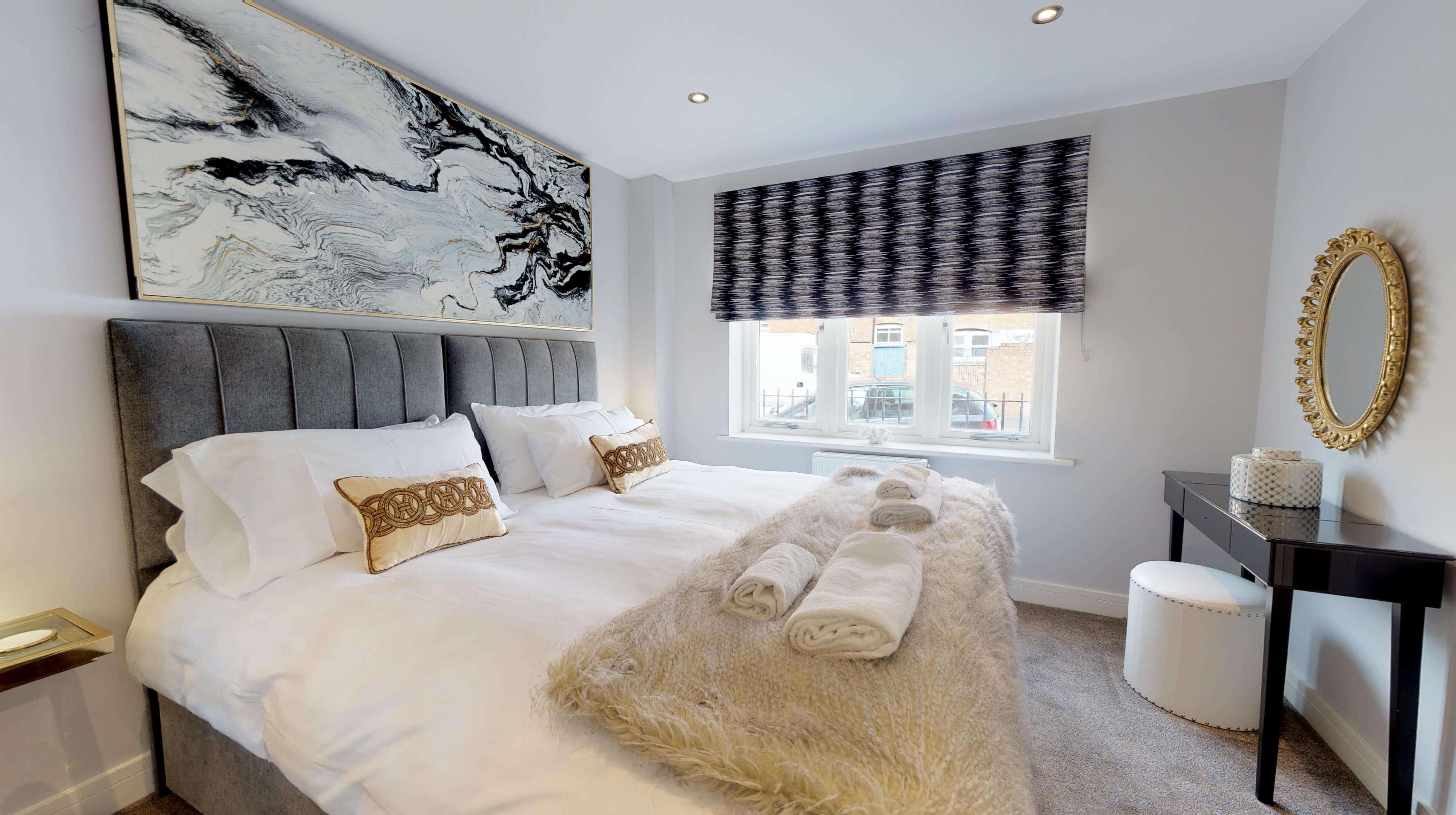 Leamington Spa Serviced Apartments Dunara Warwick Bedroom