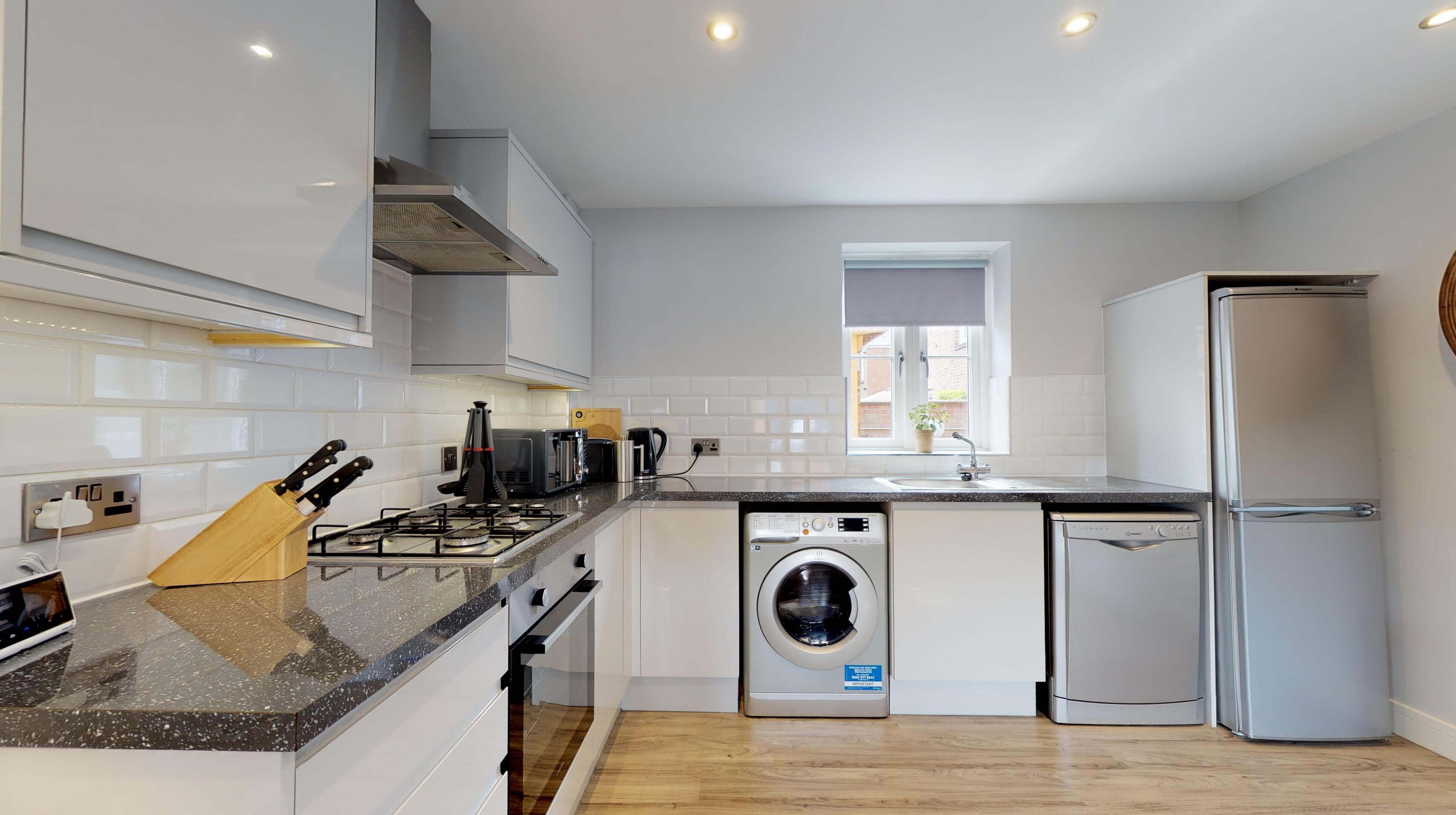 Leamington Spa Serviced Apartments Dunara Warwick Kitchen