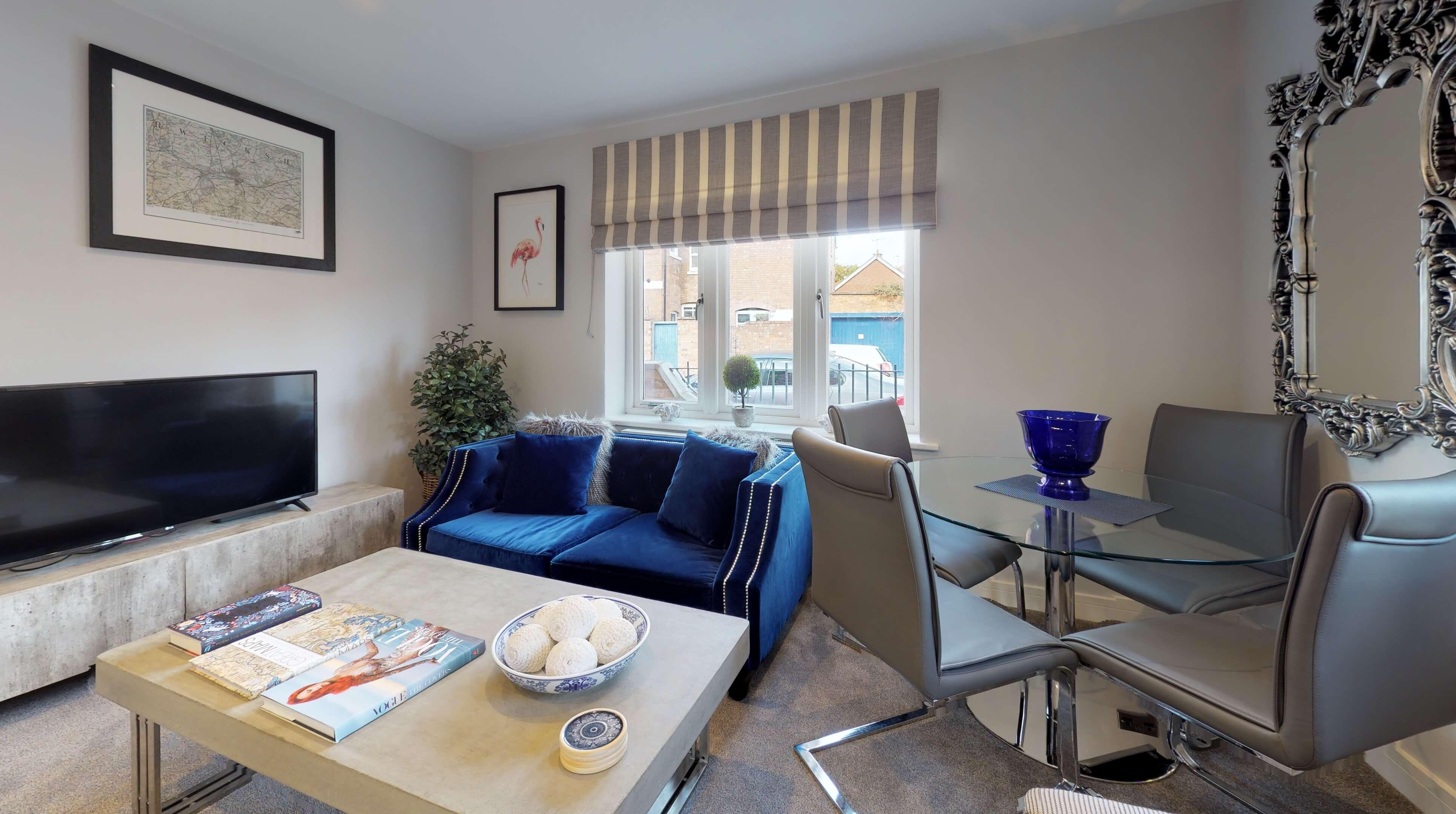 Leamington Spa Serviced Apartments Dunara Warwick Living Dining 2