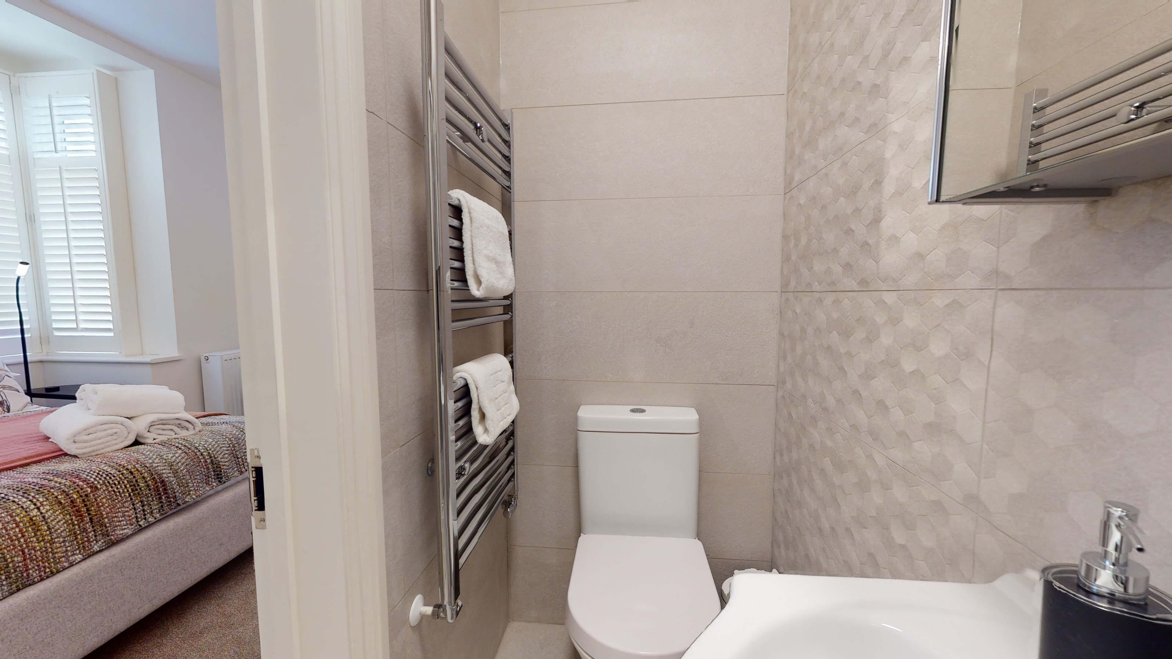The Oxford Lodge Oriel Suite 1 Oxford Lodge Oriel Suite Bathroom2