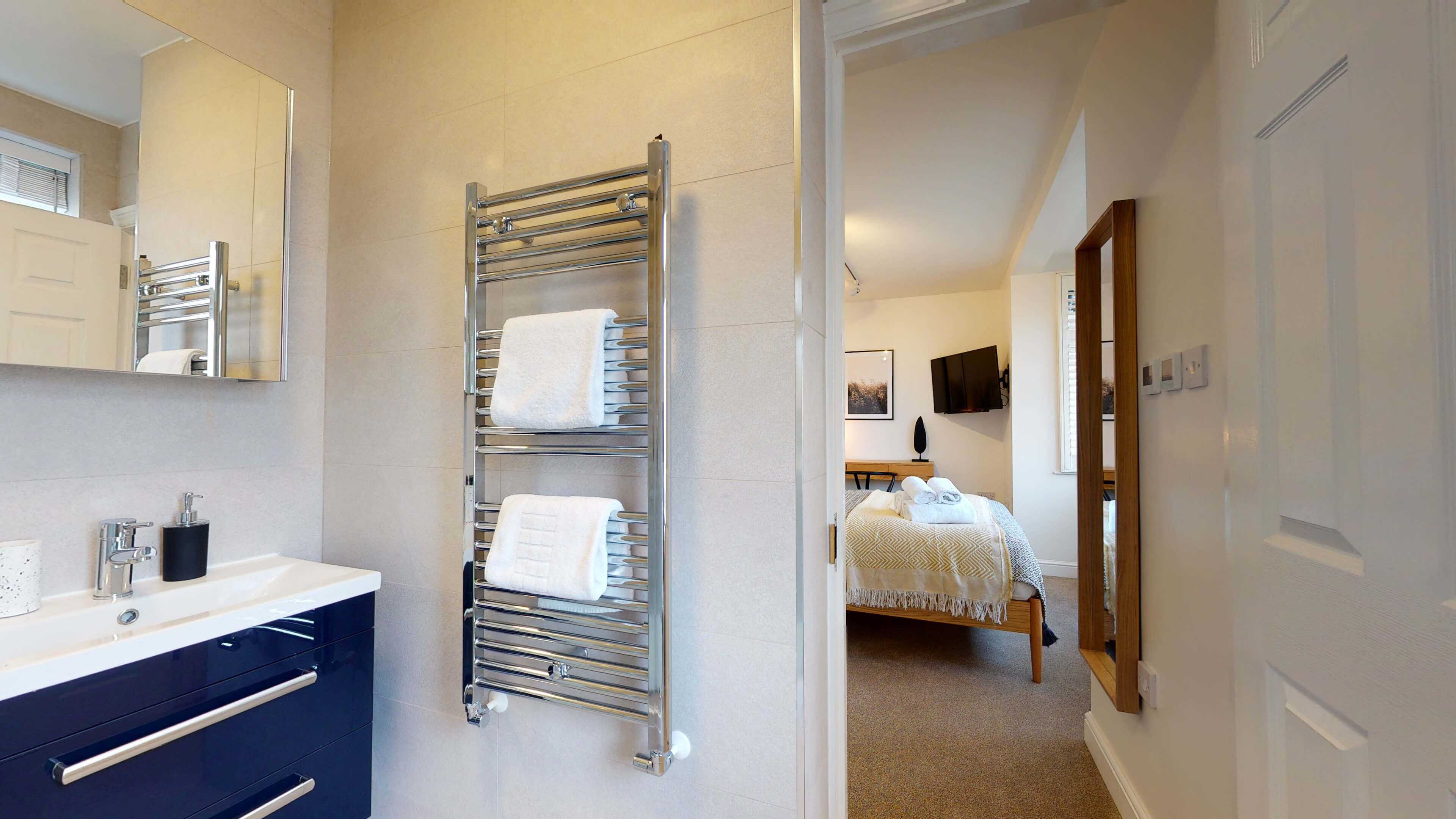 The Oxford Lodge Merton Suite 2 The Oxford Lodge Merton Suite Bathroom1
