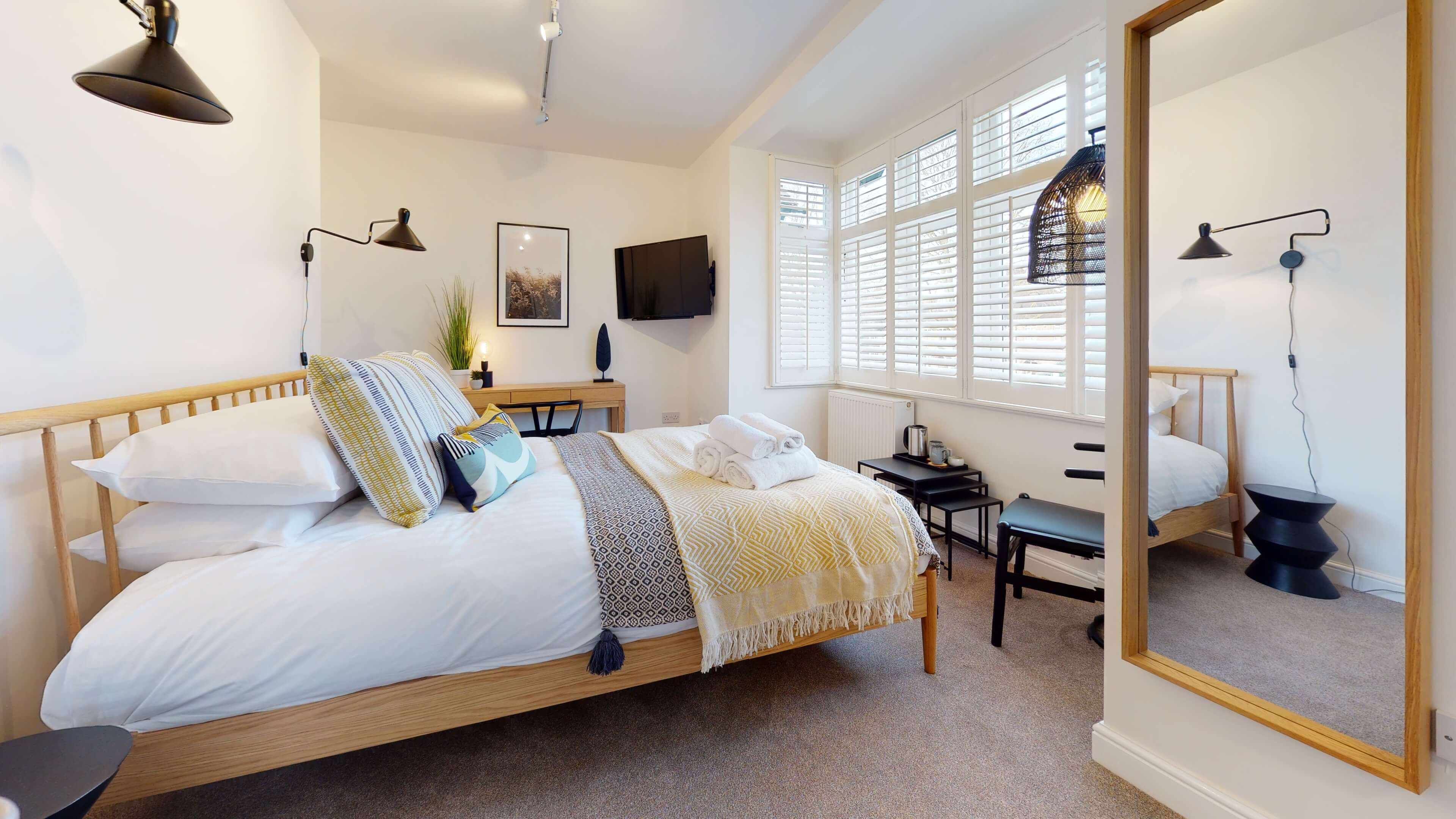 The Oxford Lodge Merton Suite 2 The Oxford Lodge Merton Suite Bedroom4