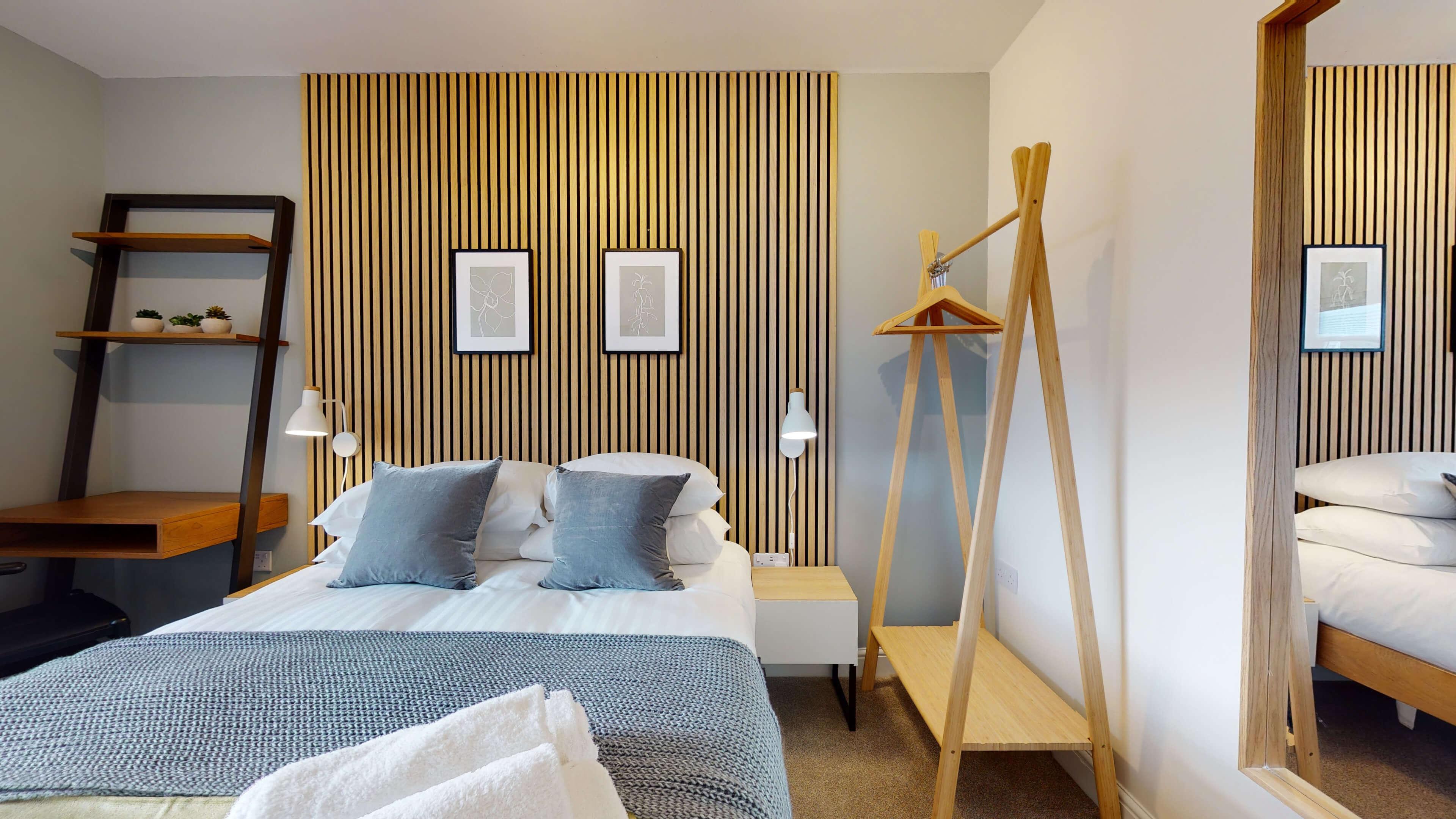 The Oxford Lodge Pembroke Suite 3 The Oxford Lodge Pembroke Suite Bedroom1