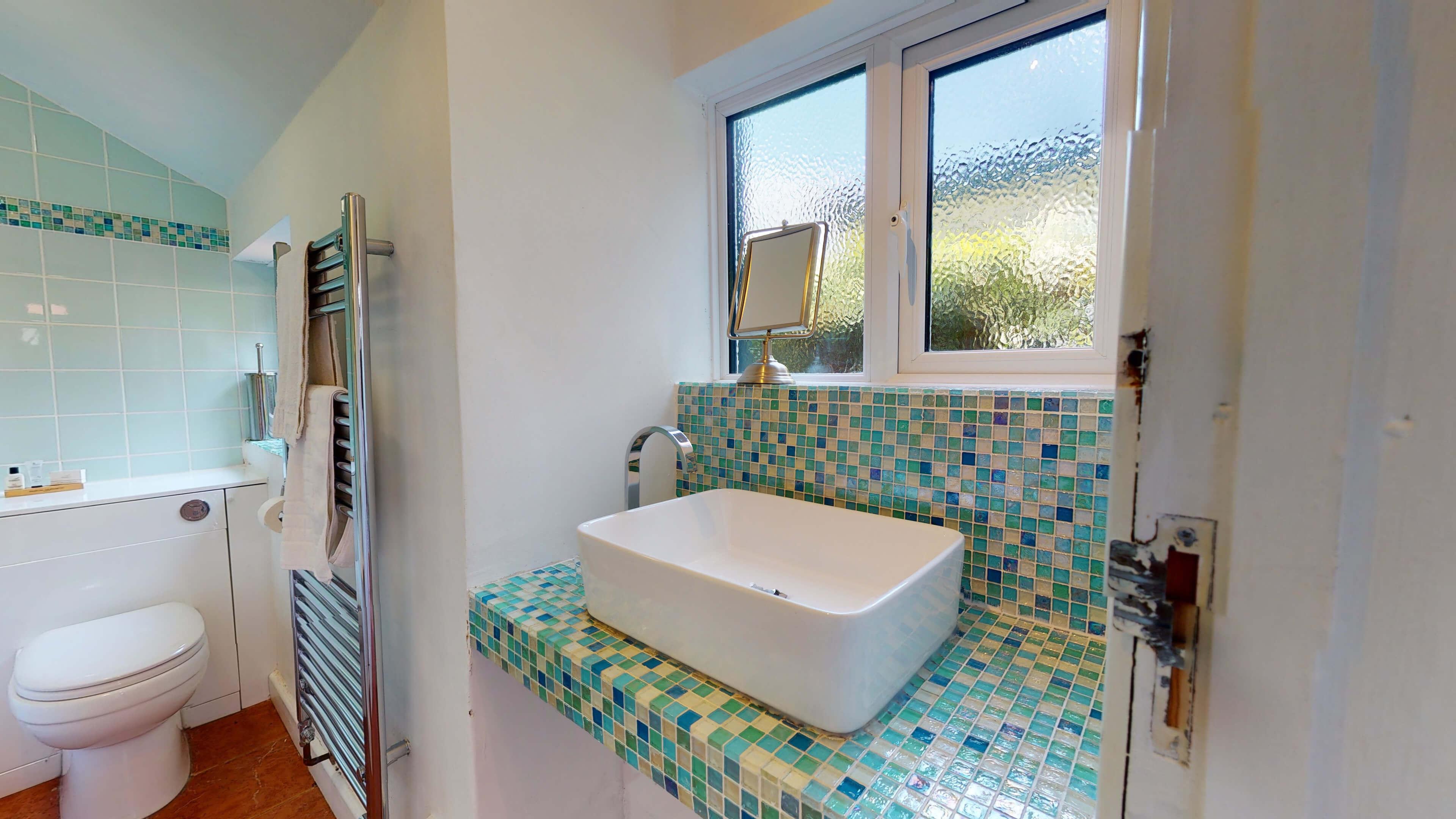 Quince Cottage Quince Cottage Bathroom Sink