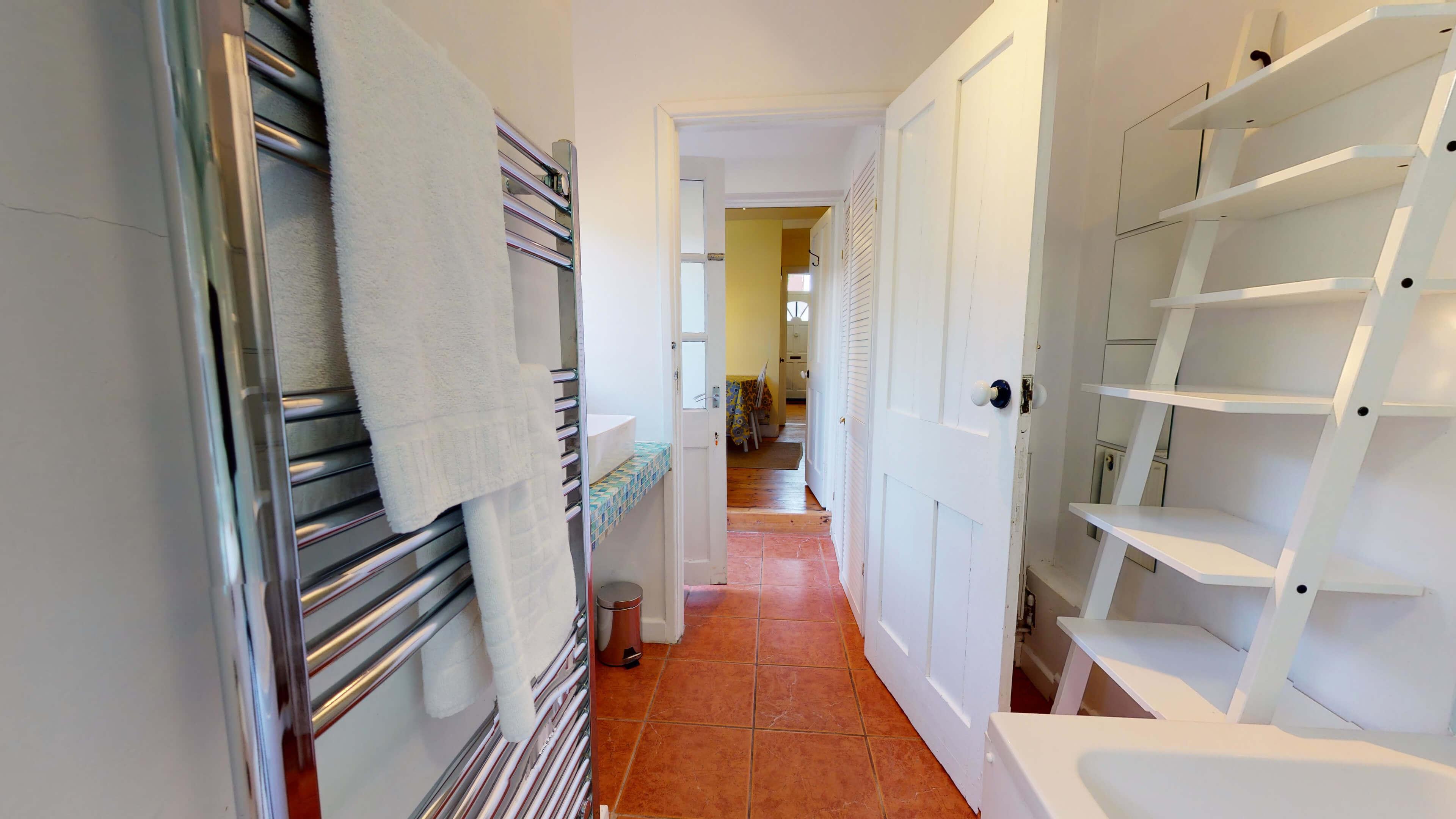 Quince Cottage Quince Cottage Bathroom Ouyt
