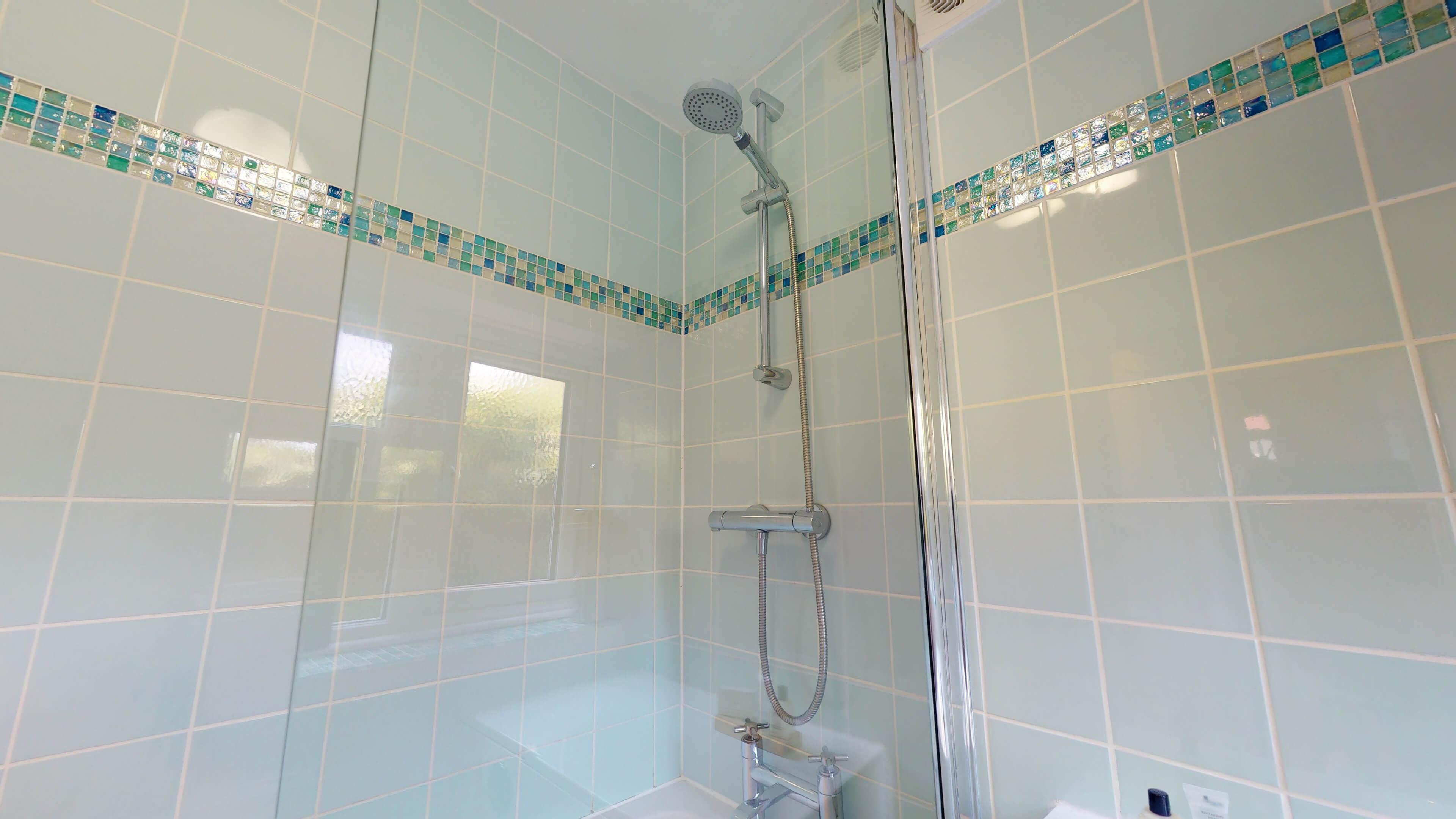 Quince Cottage Quince Cottage Shower