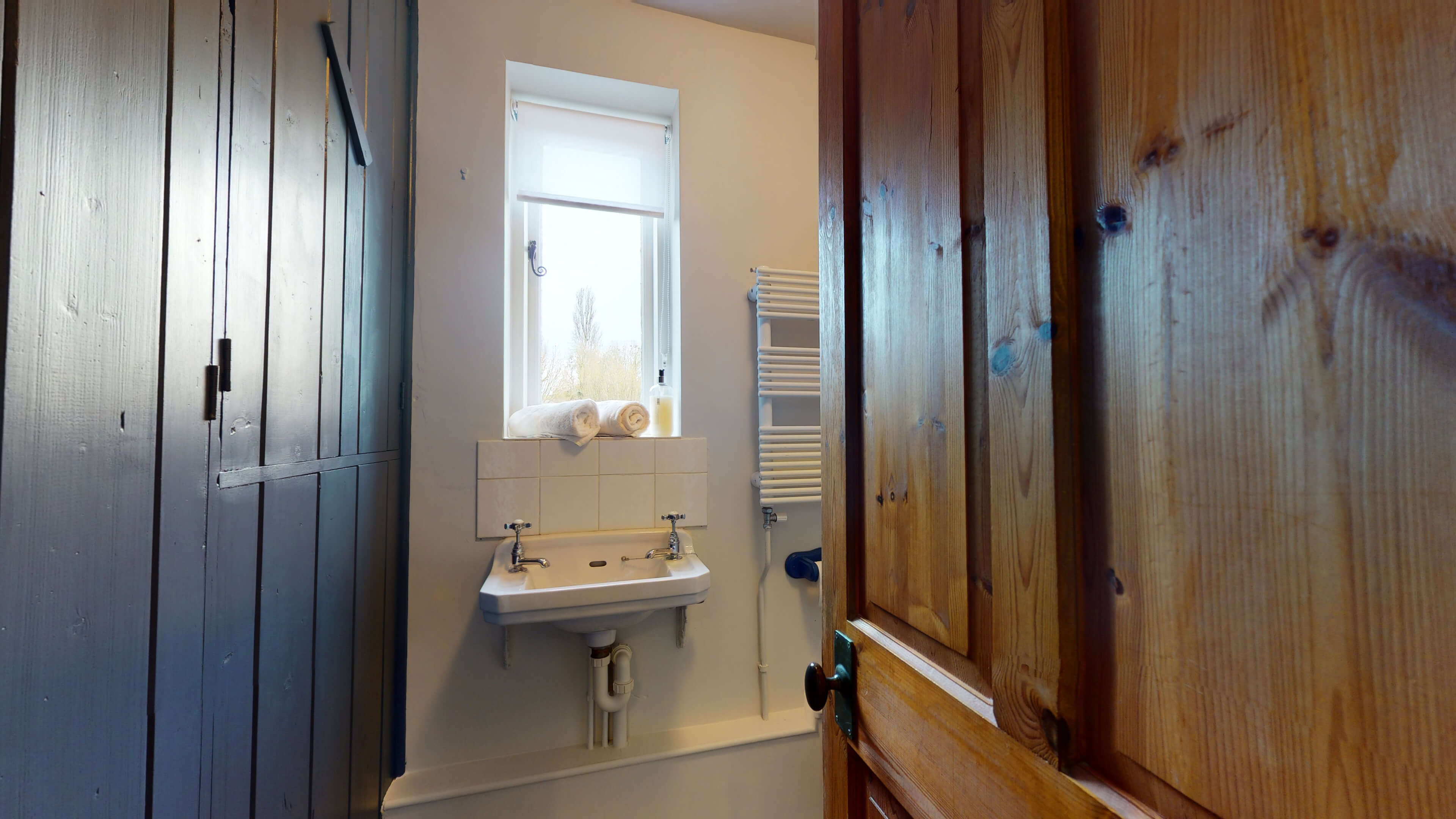 Orchard Cottage Orchard Cottage Family Bathroom