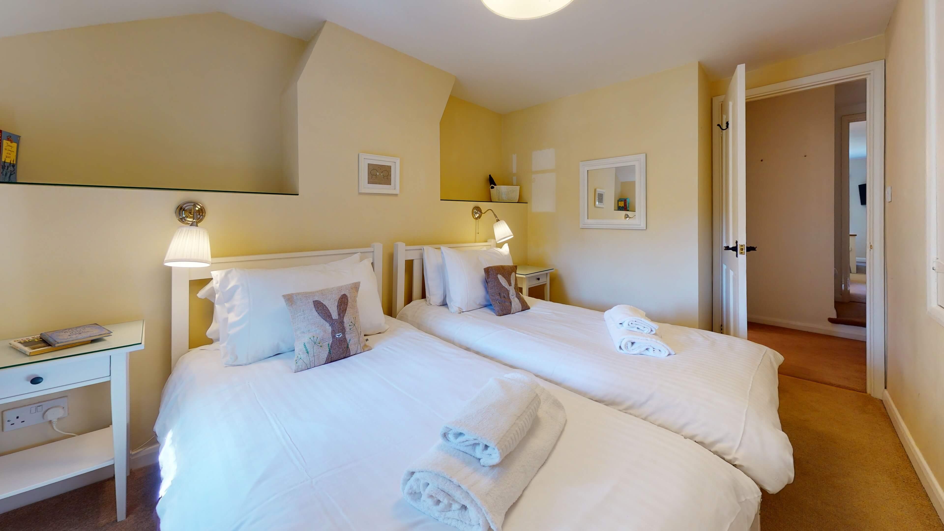 Jasmine Cottage Bedroom1