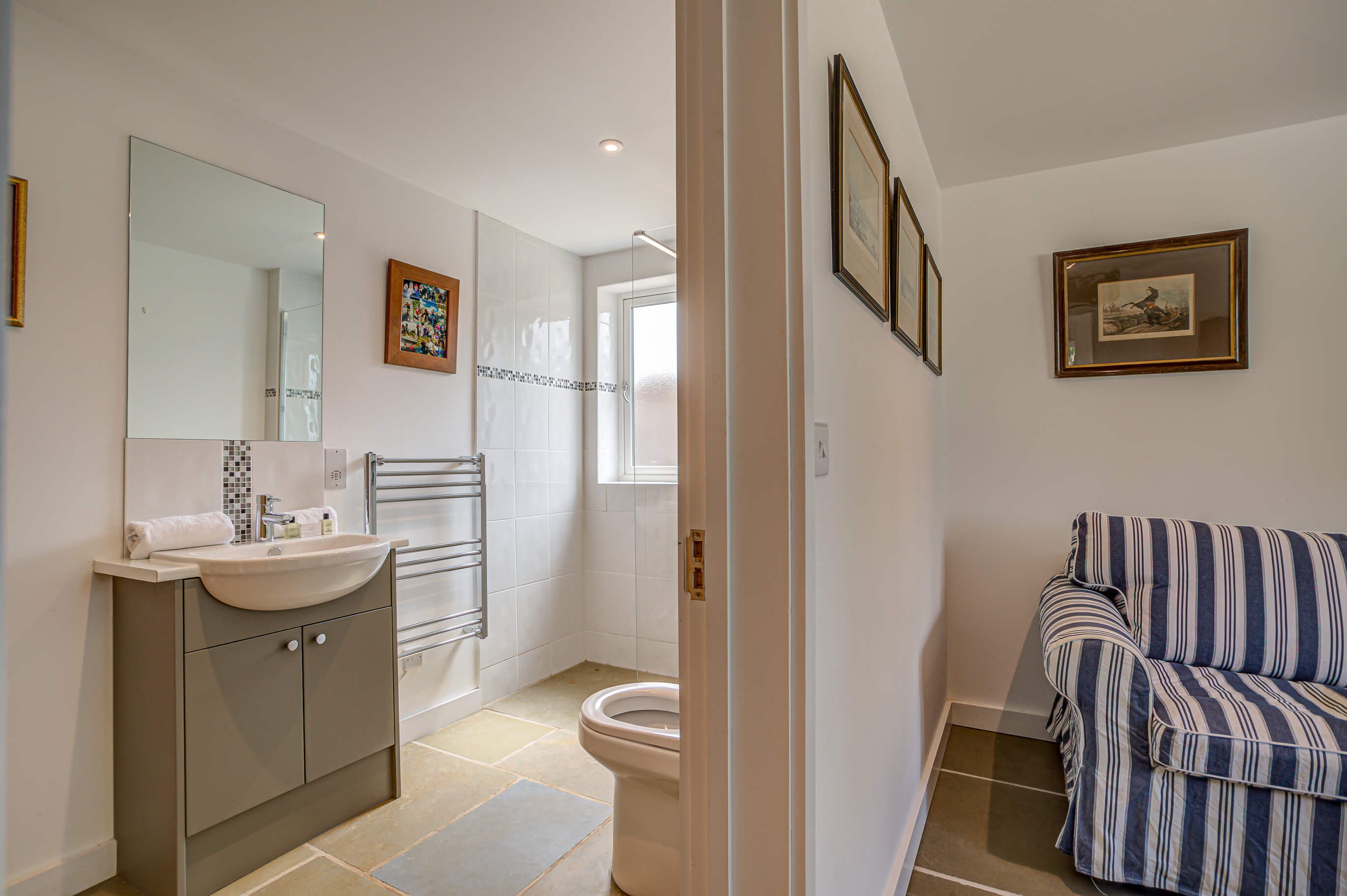 Old Barn Witney Bedroom 3 Bathroom