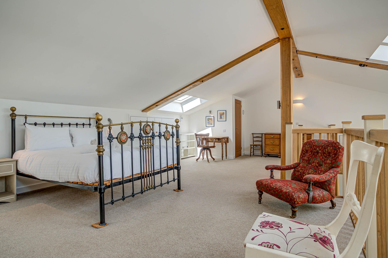 Old Barn Witney Mezanine Bedroom