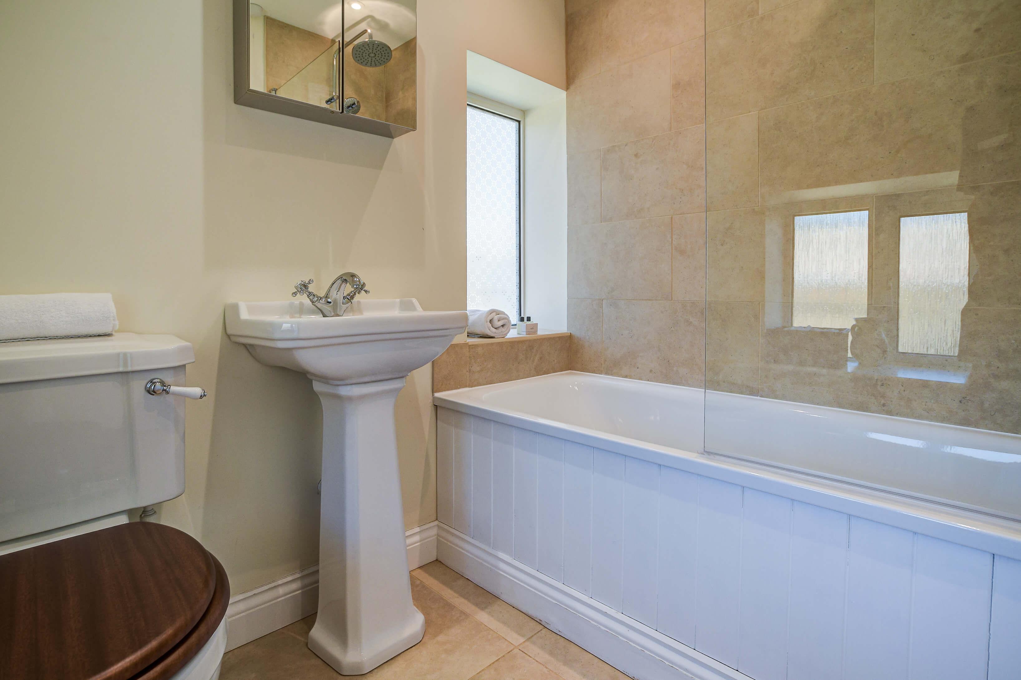 Rose Cottage Bathroom 2