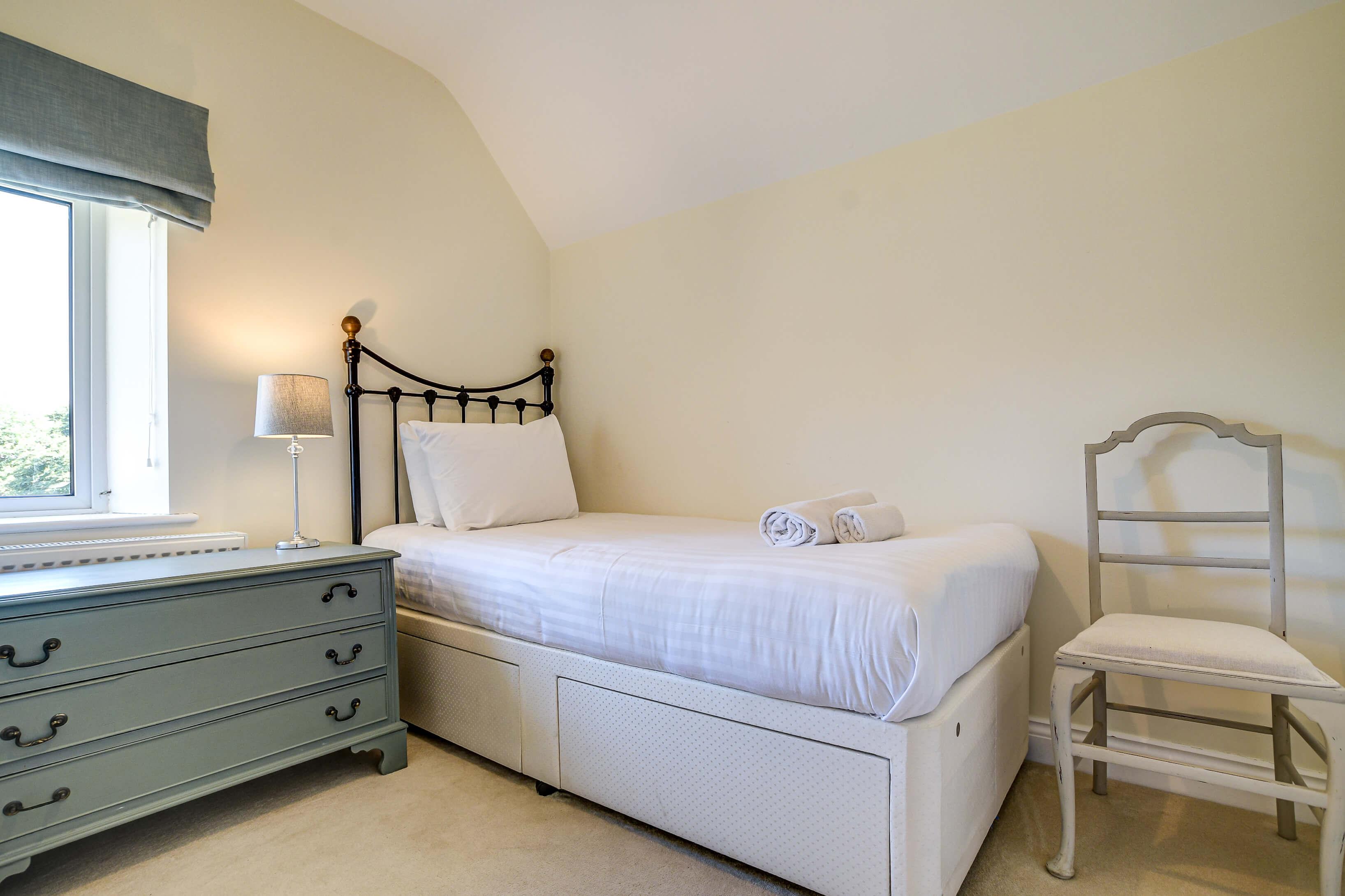 Rose Cottage Bedroom Single