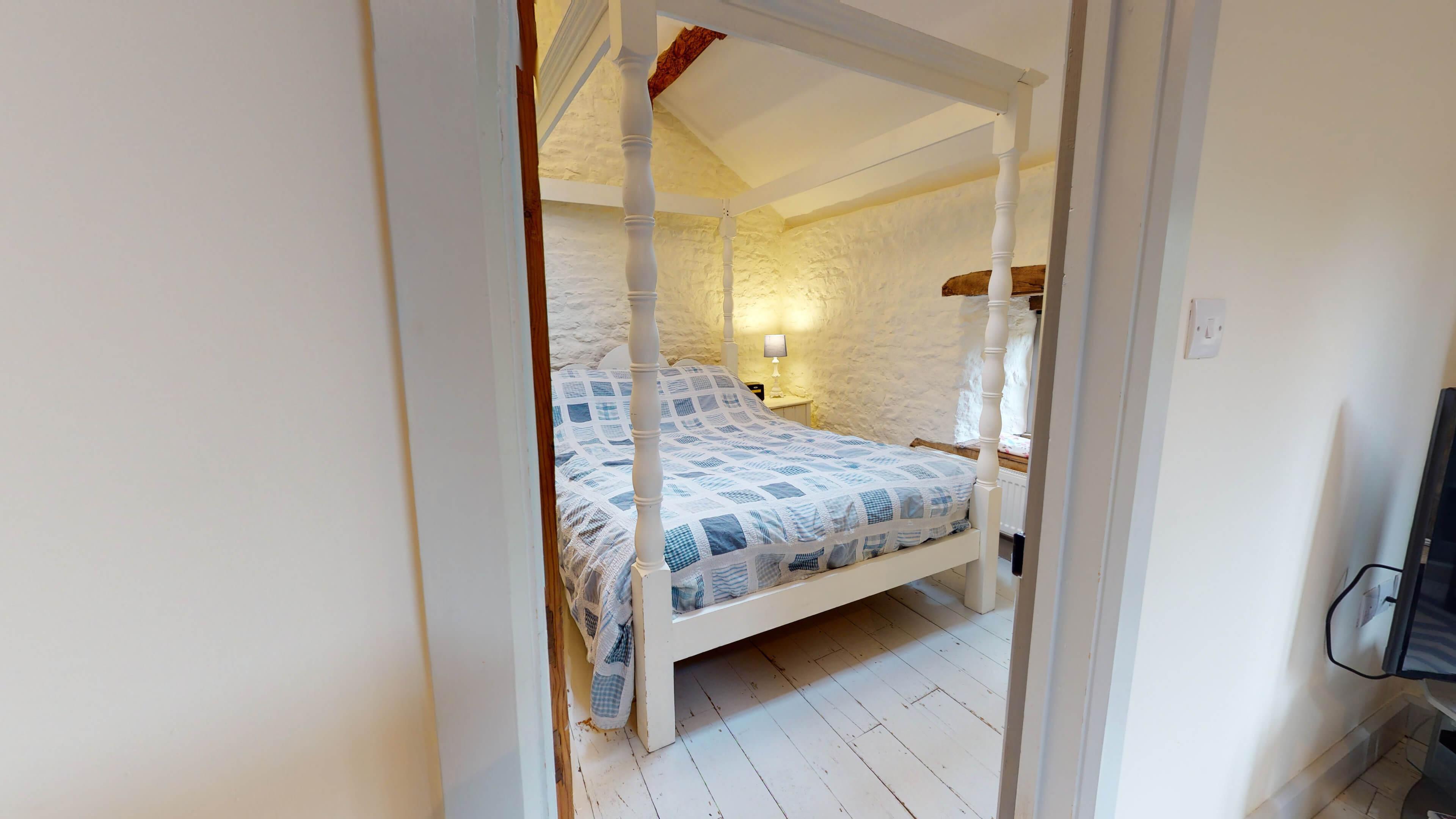 The Hayloft Bedroom2