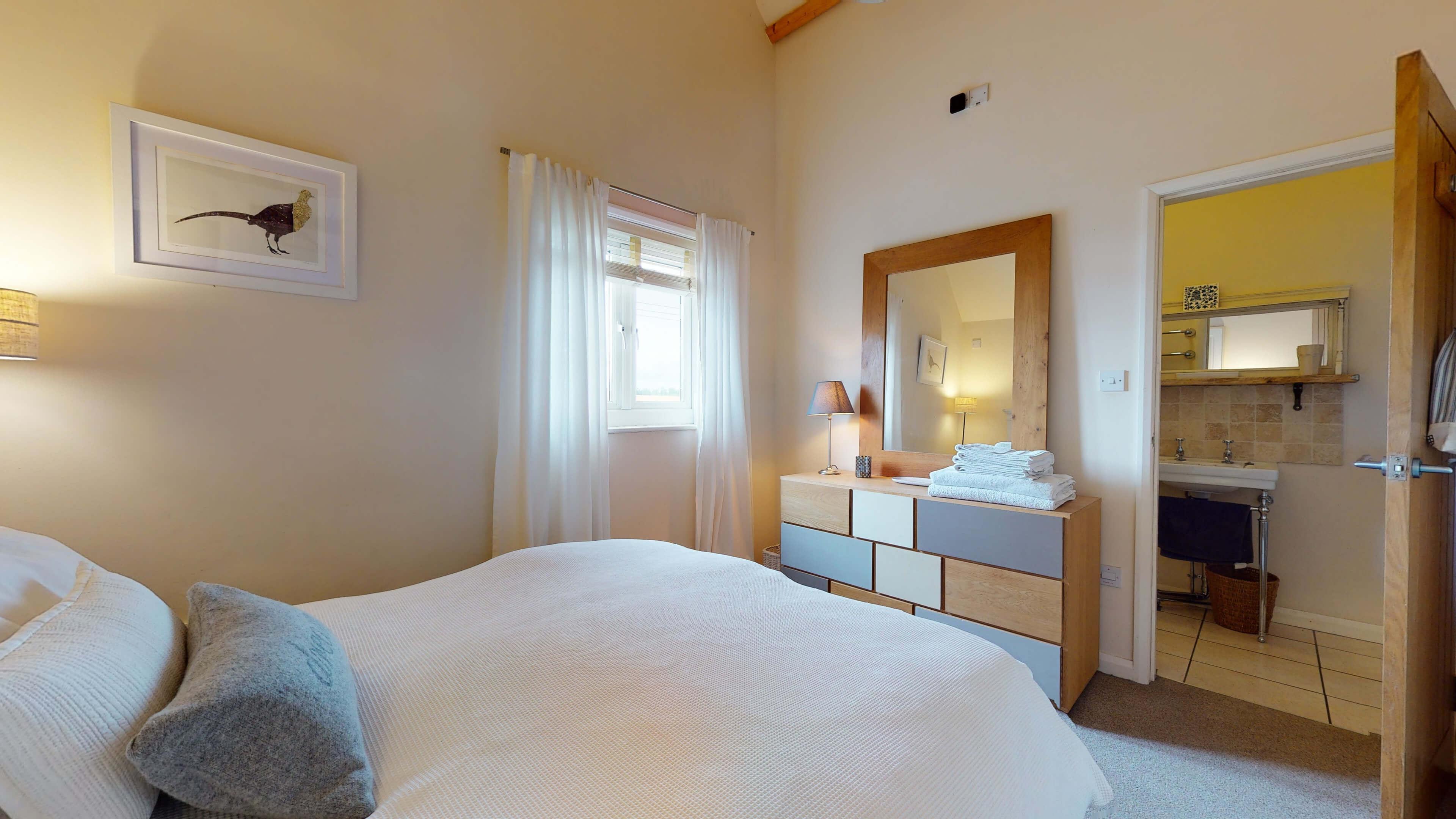 Sansoms Cottage Sansoms Loft Bedroom 2
